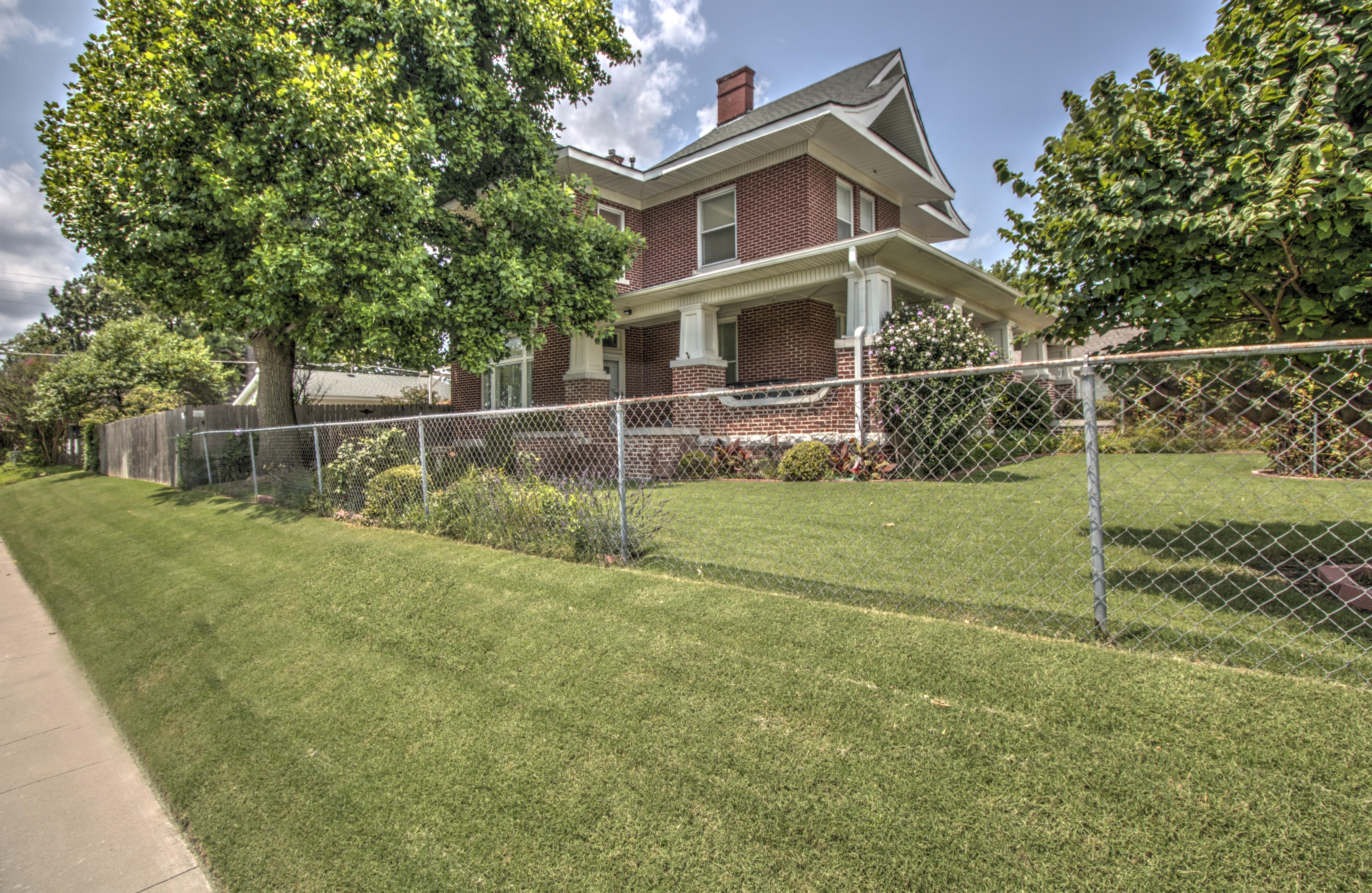 104 N Victor Avenue Property Photo 43