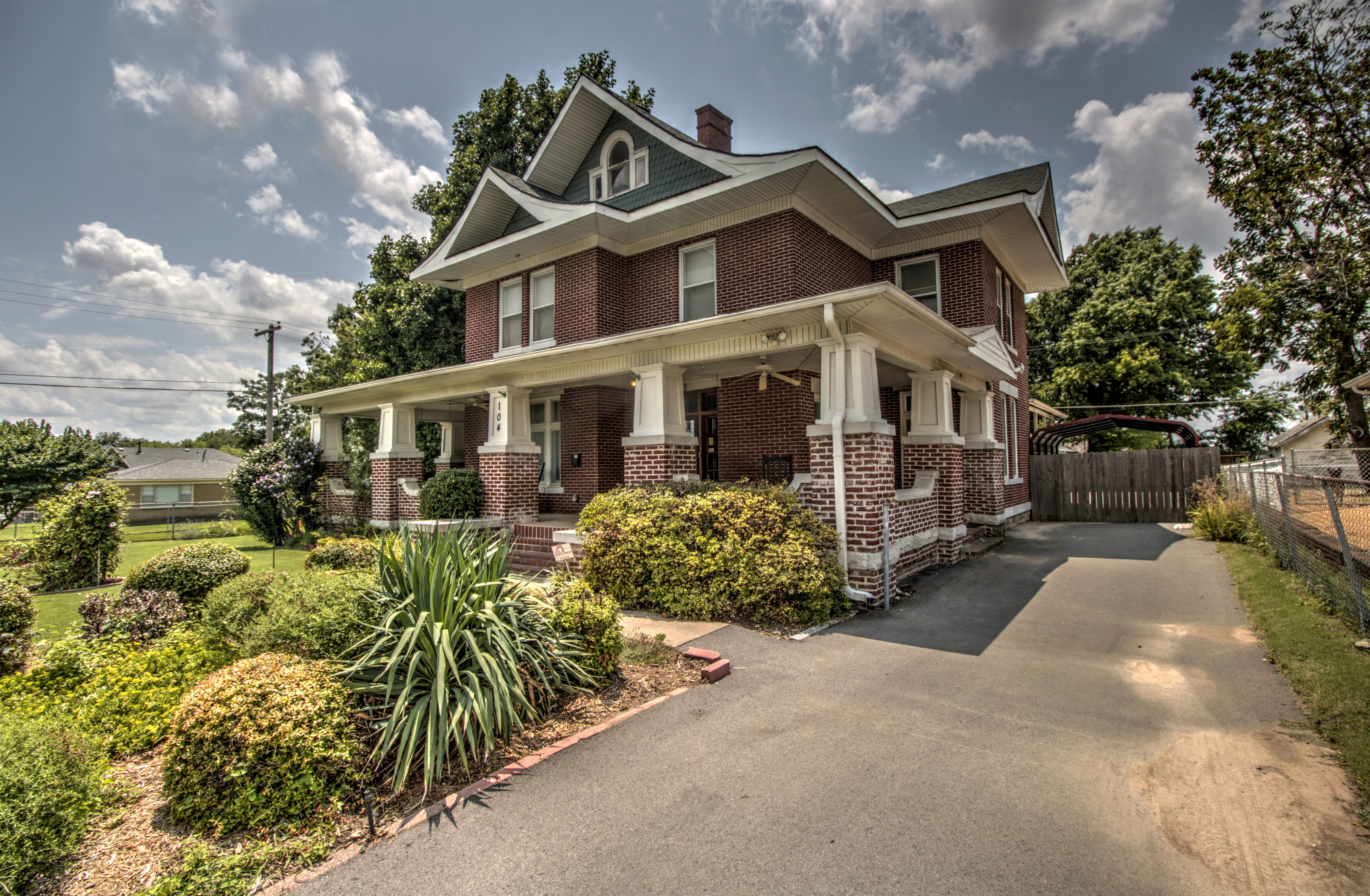 104 N Victor Avenue Property Photo 45