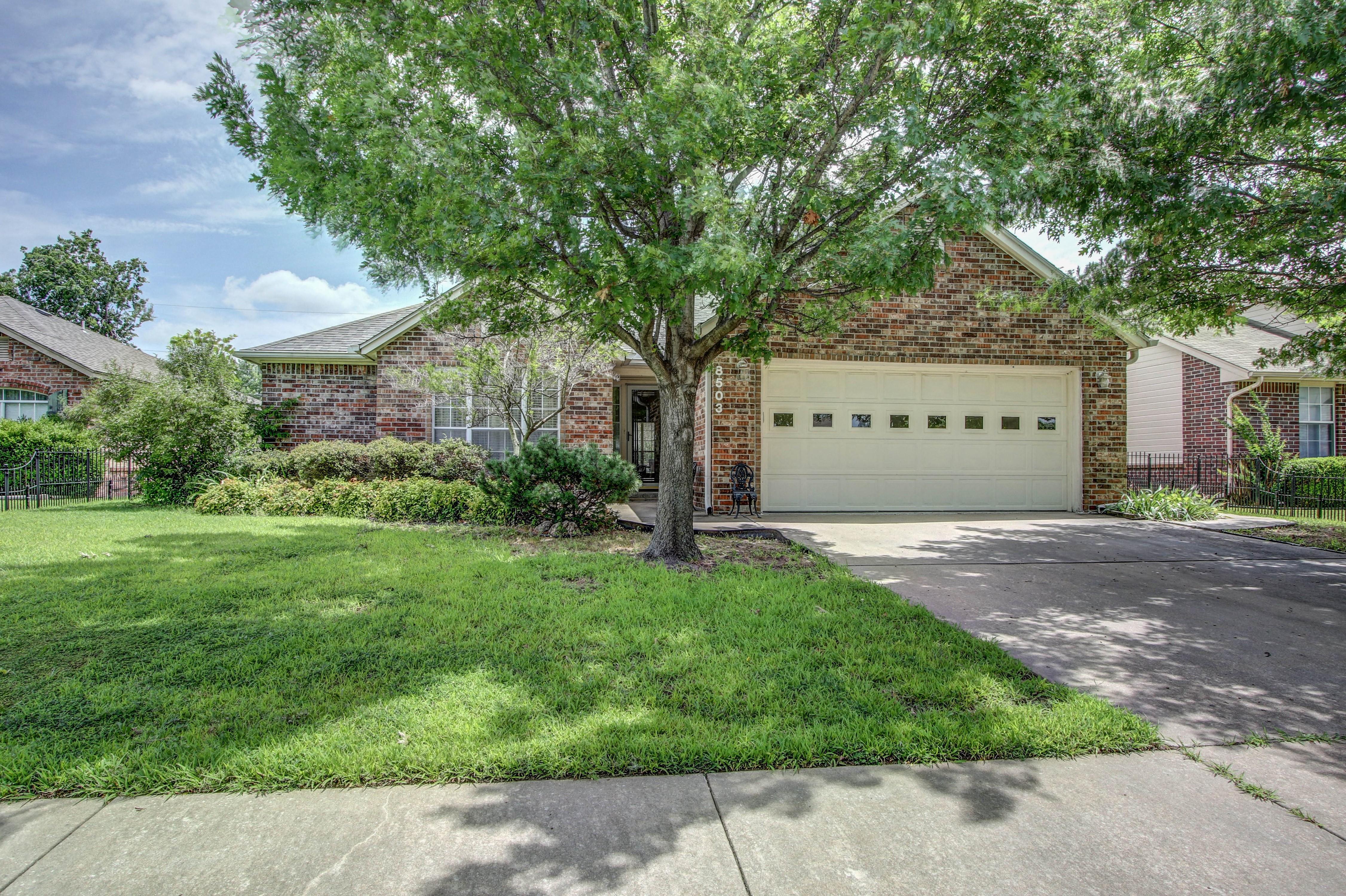 8503 N 102nd East Avenue Property Photo 1