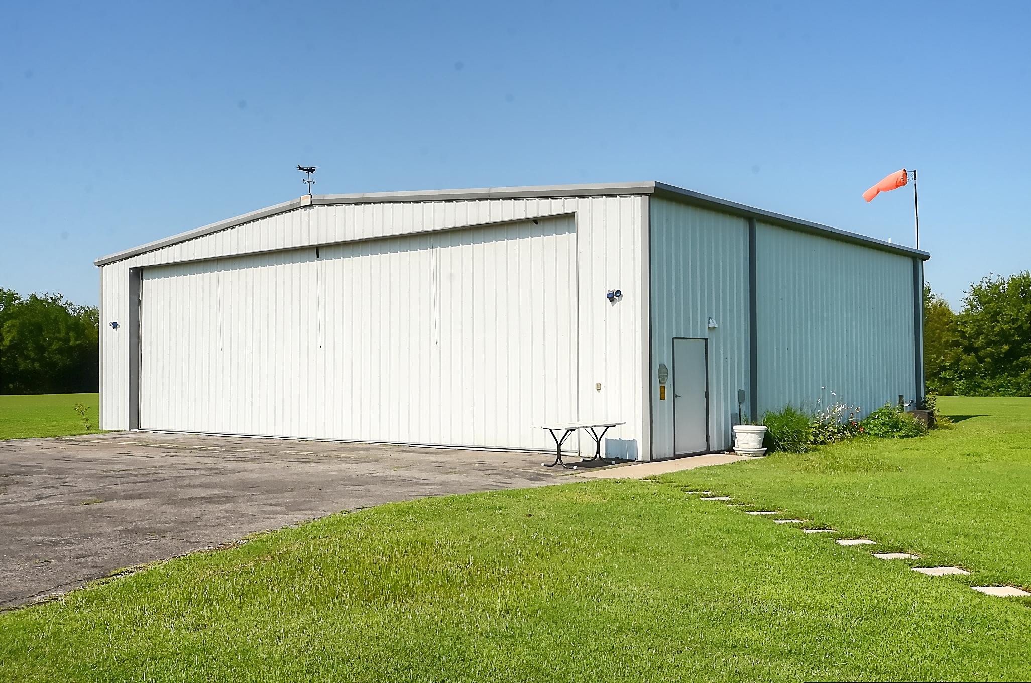 12134 N 70th East Avenue Property Photo 2