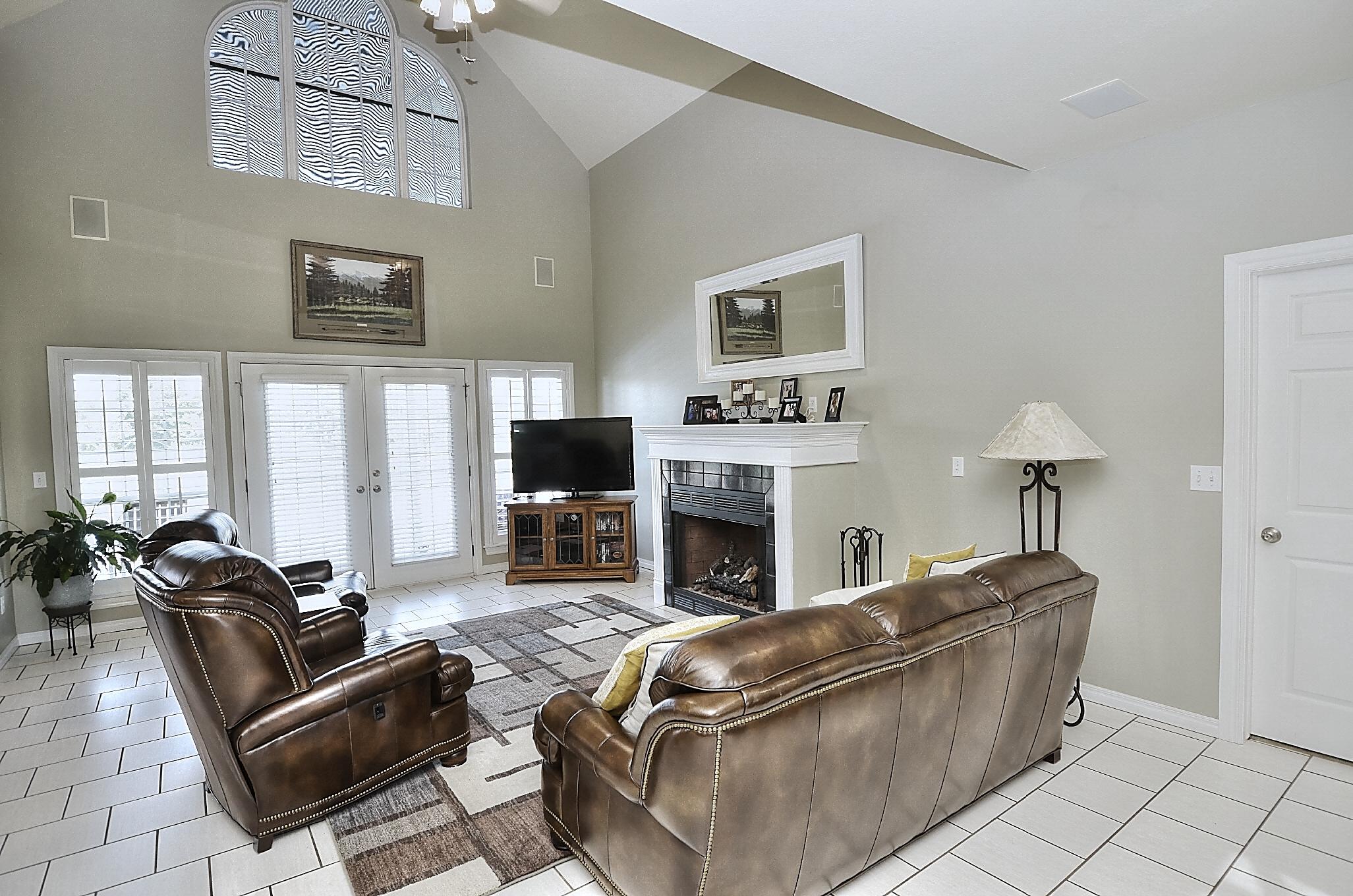 12134 N 70th East Avenue Property Photo 16