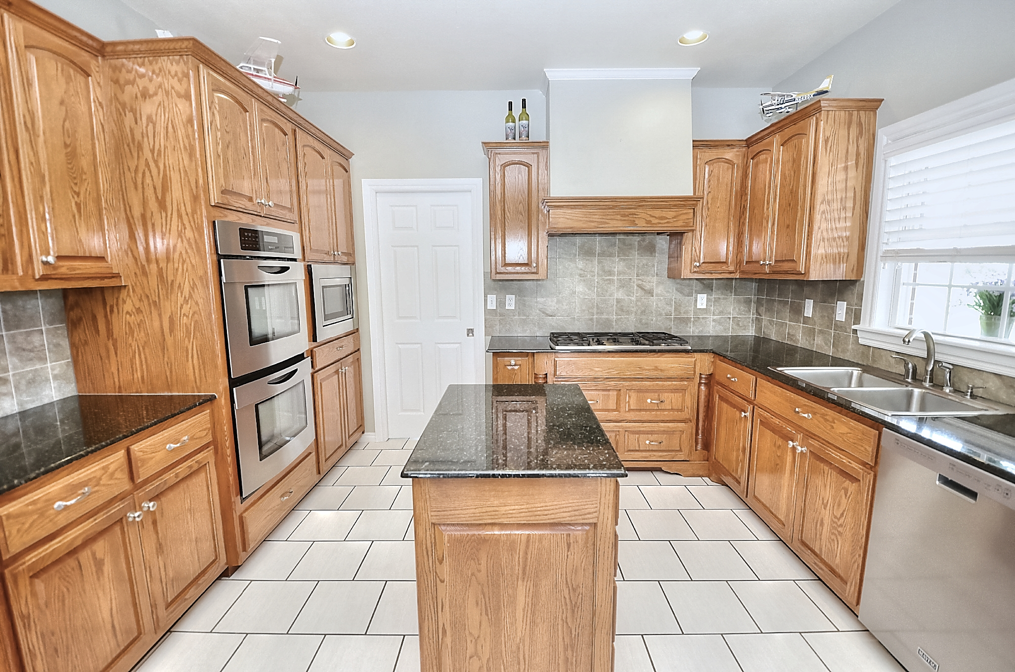 12134 N 70th East Avenue Property Photo 22