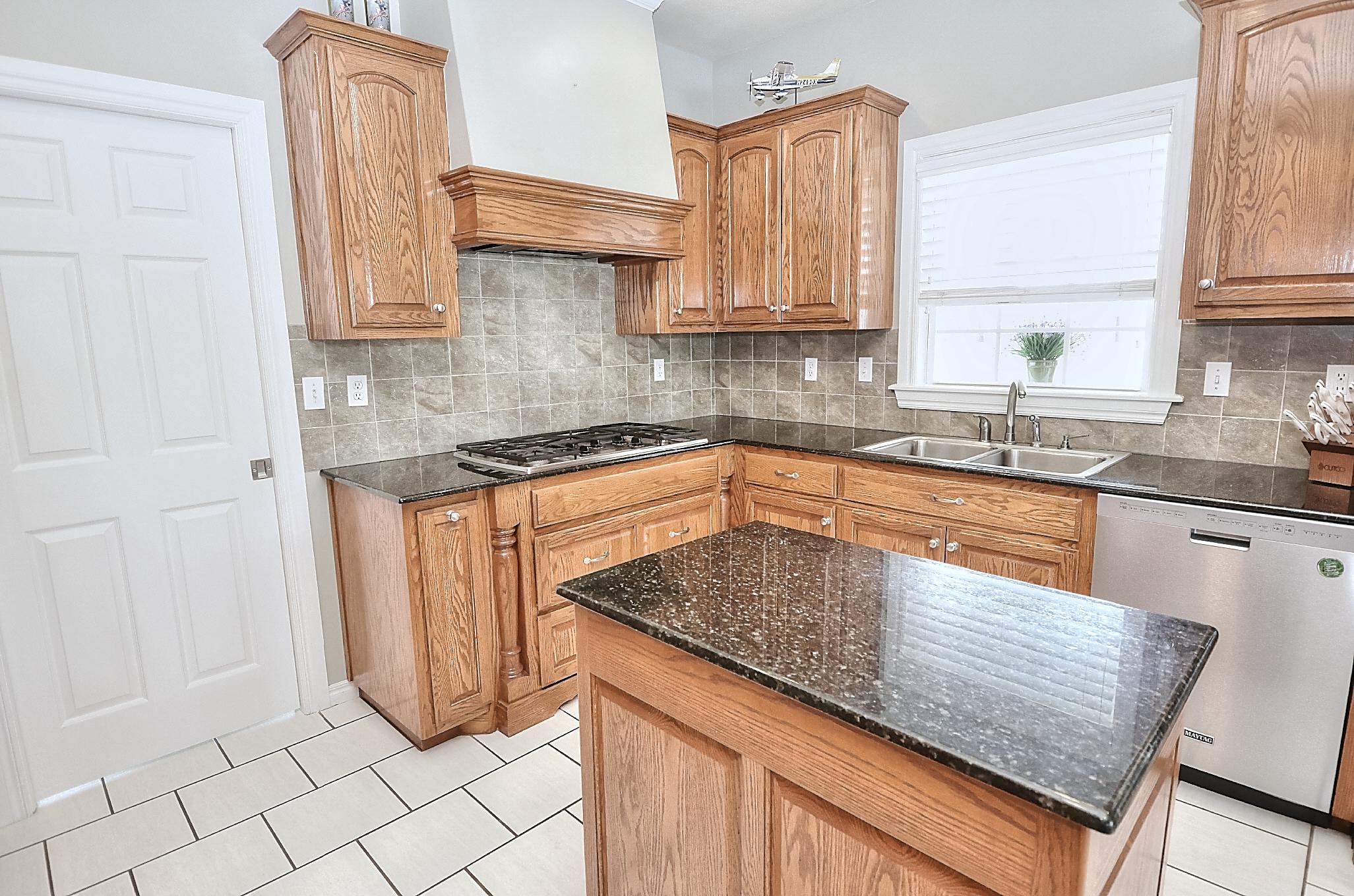 12134 N 70th East Avenue Property Photo 23