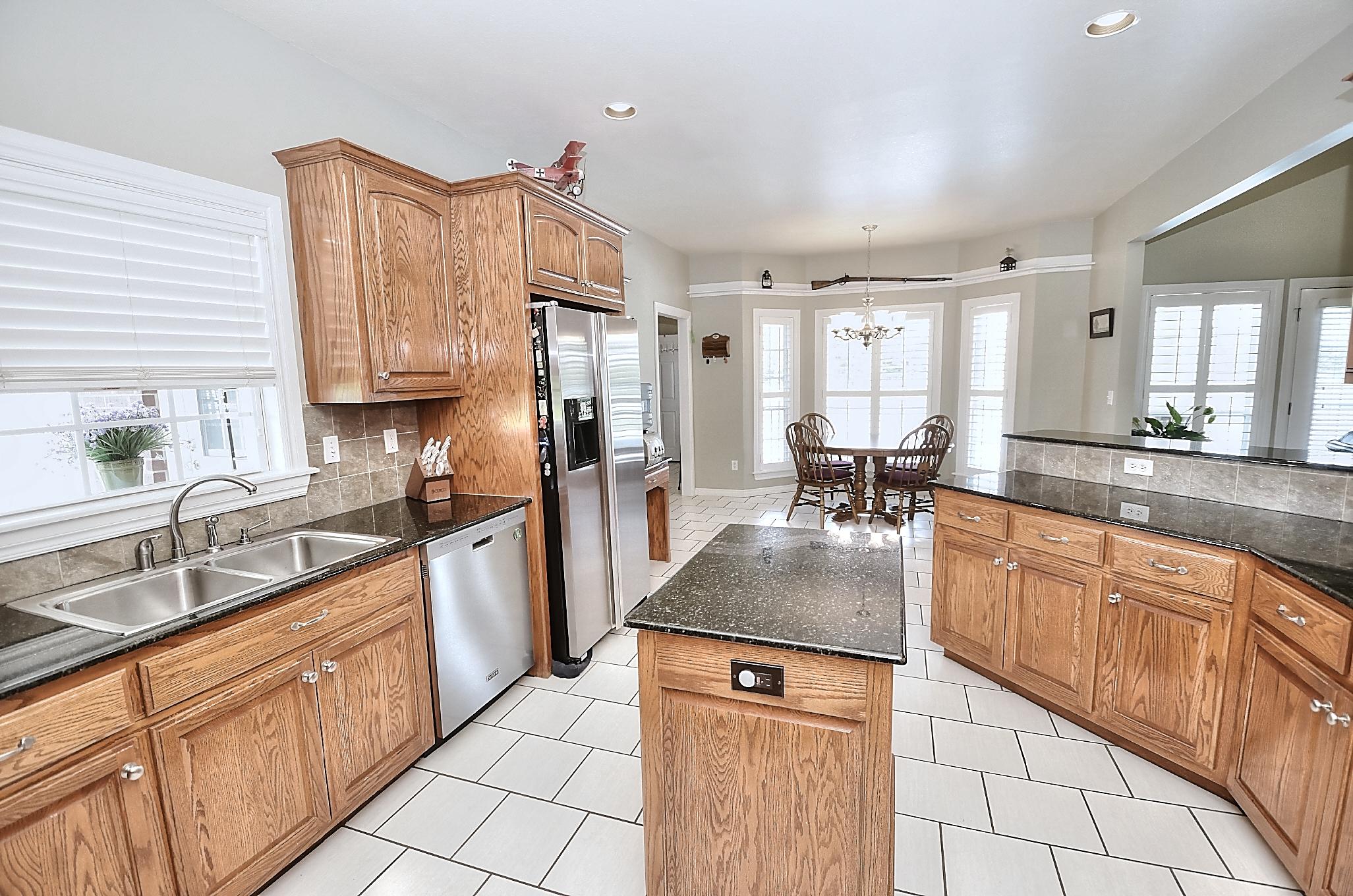 12134 N 70th East Avenue Property Photo 25