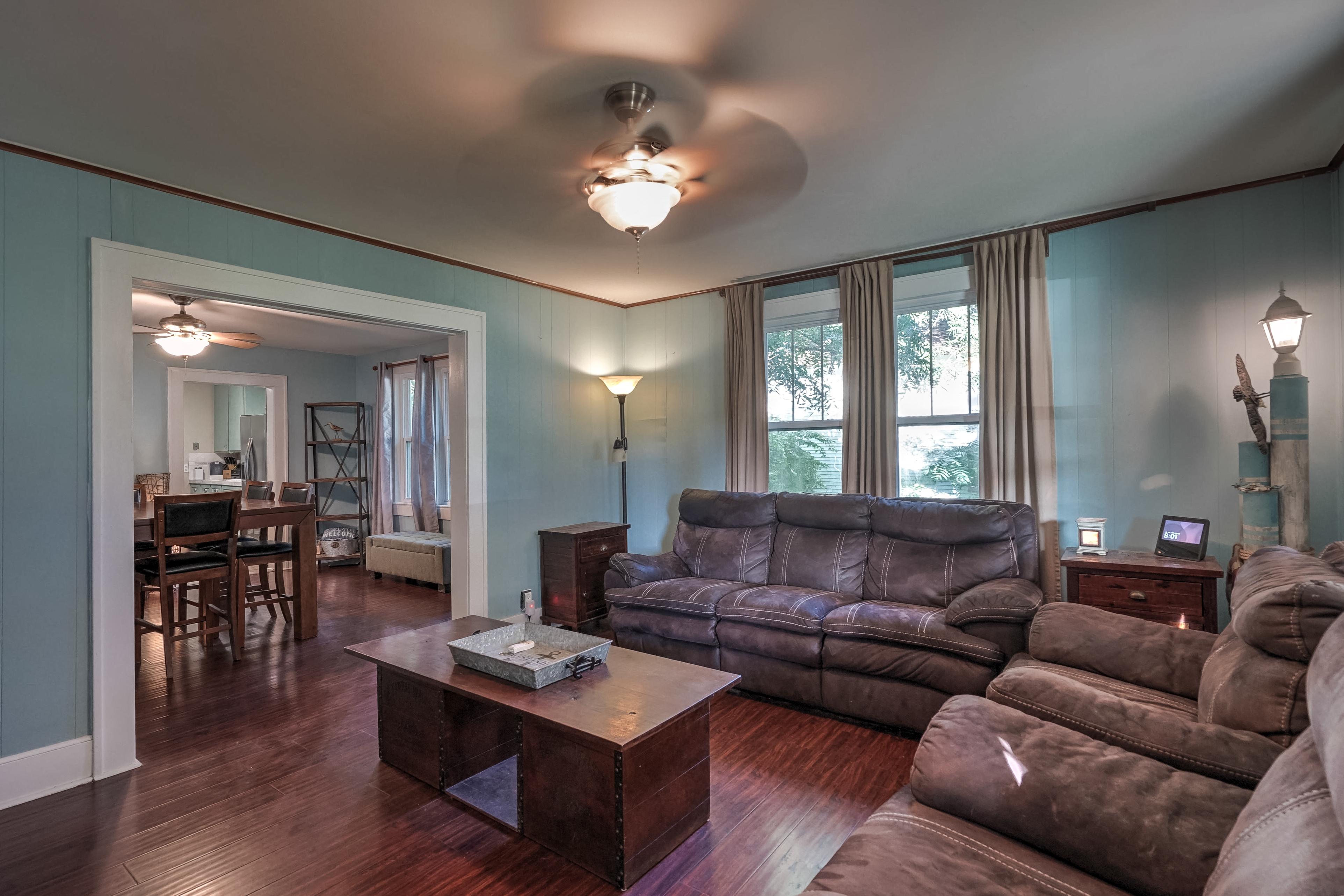 309 E 7th Street Property Photo 3