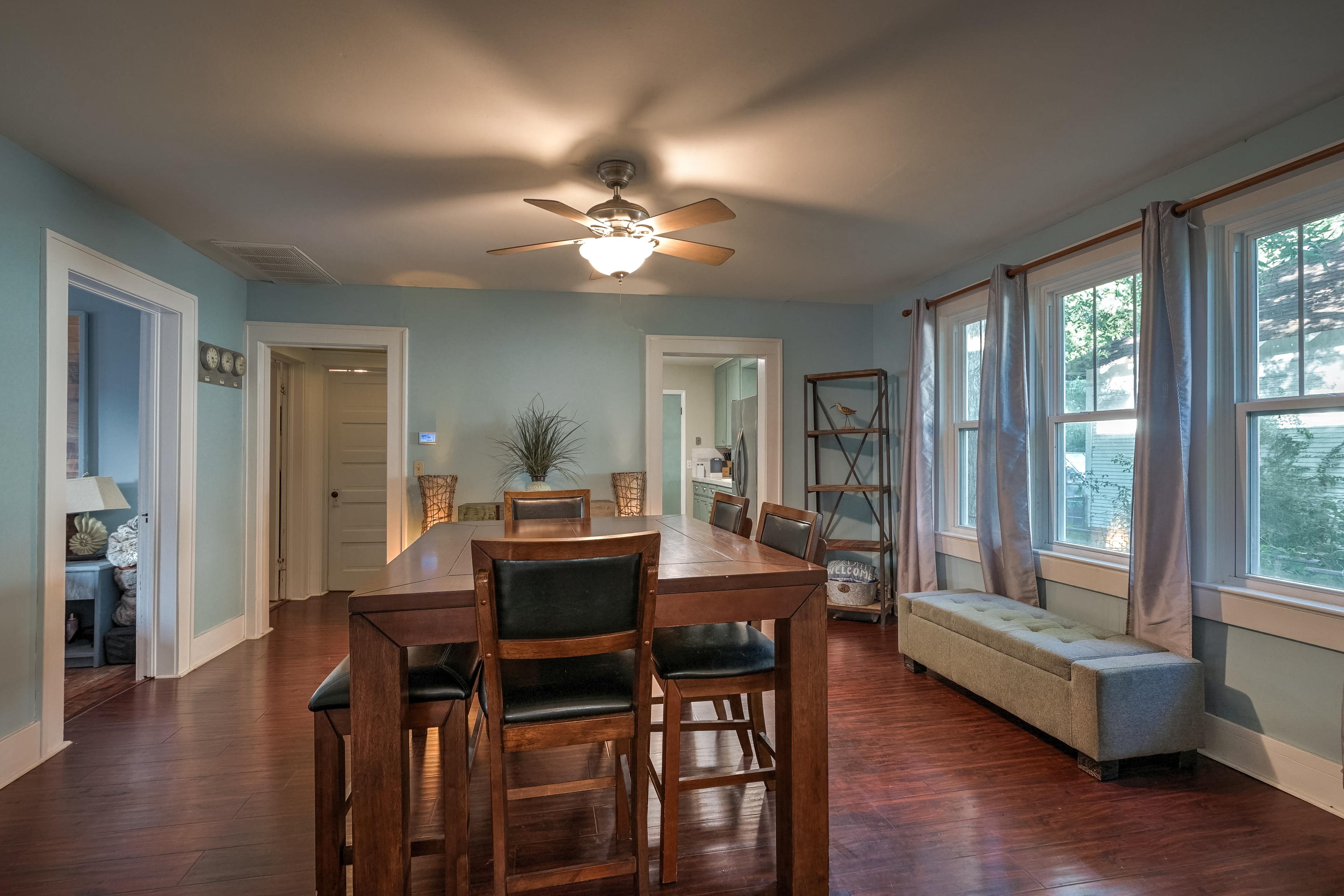 309 E 7th Street Property Photo 5