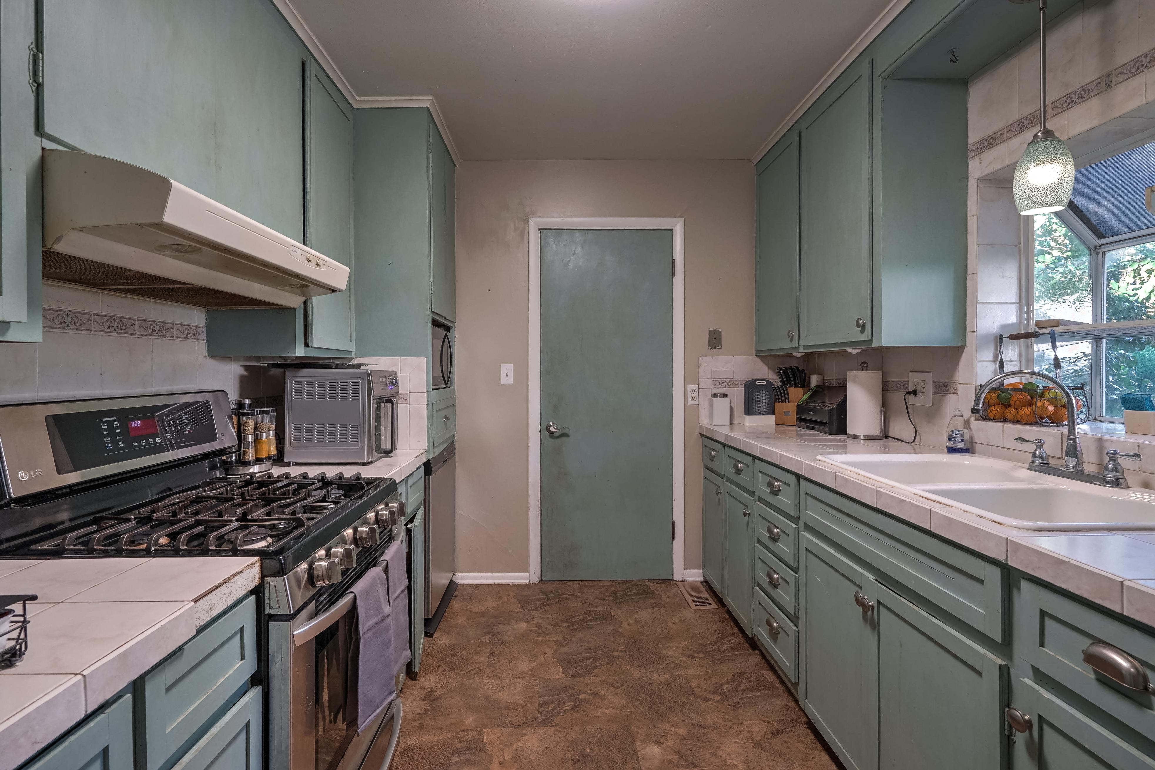 309 E 7th Street Property Photo 7