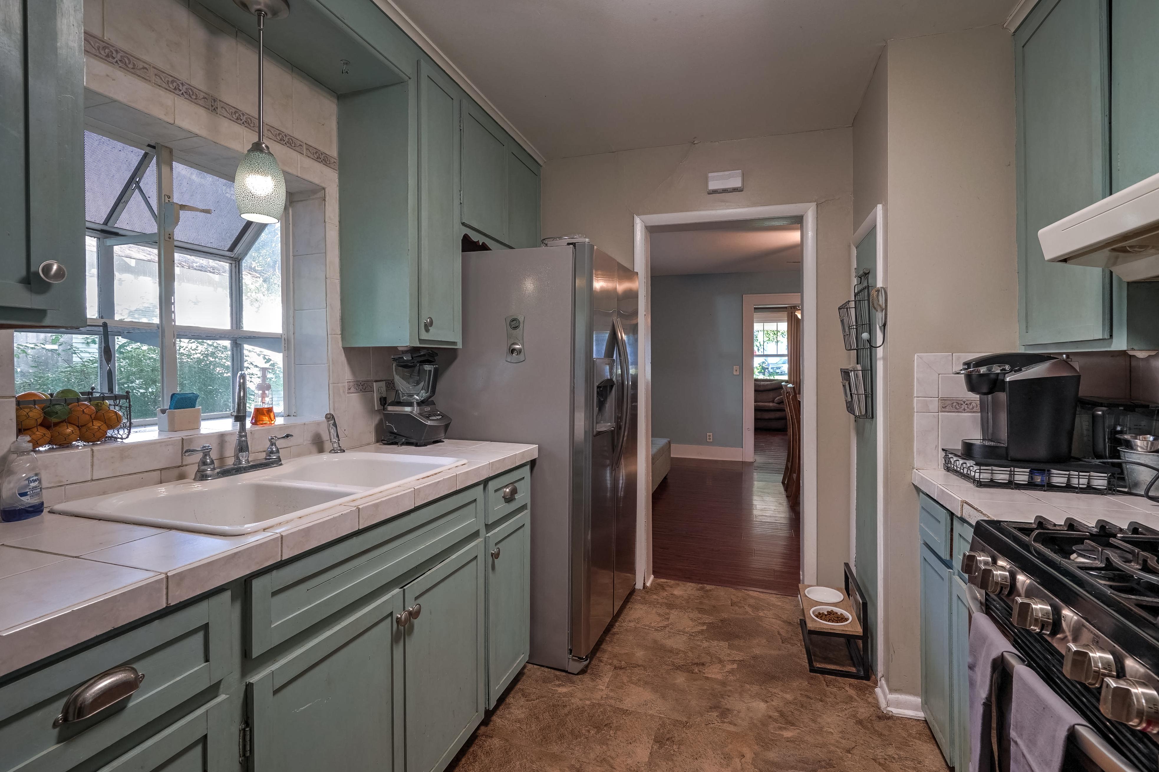 309 E 7th Street Property Photo 8