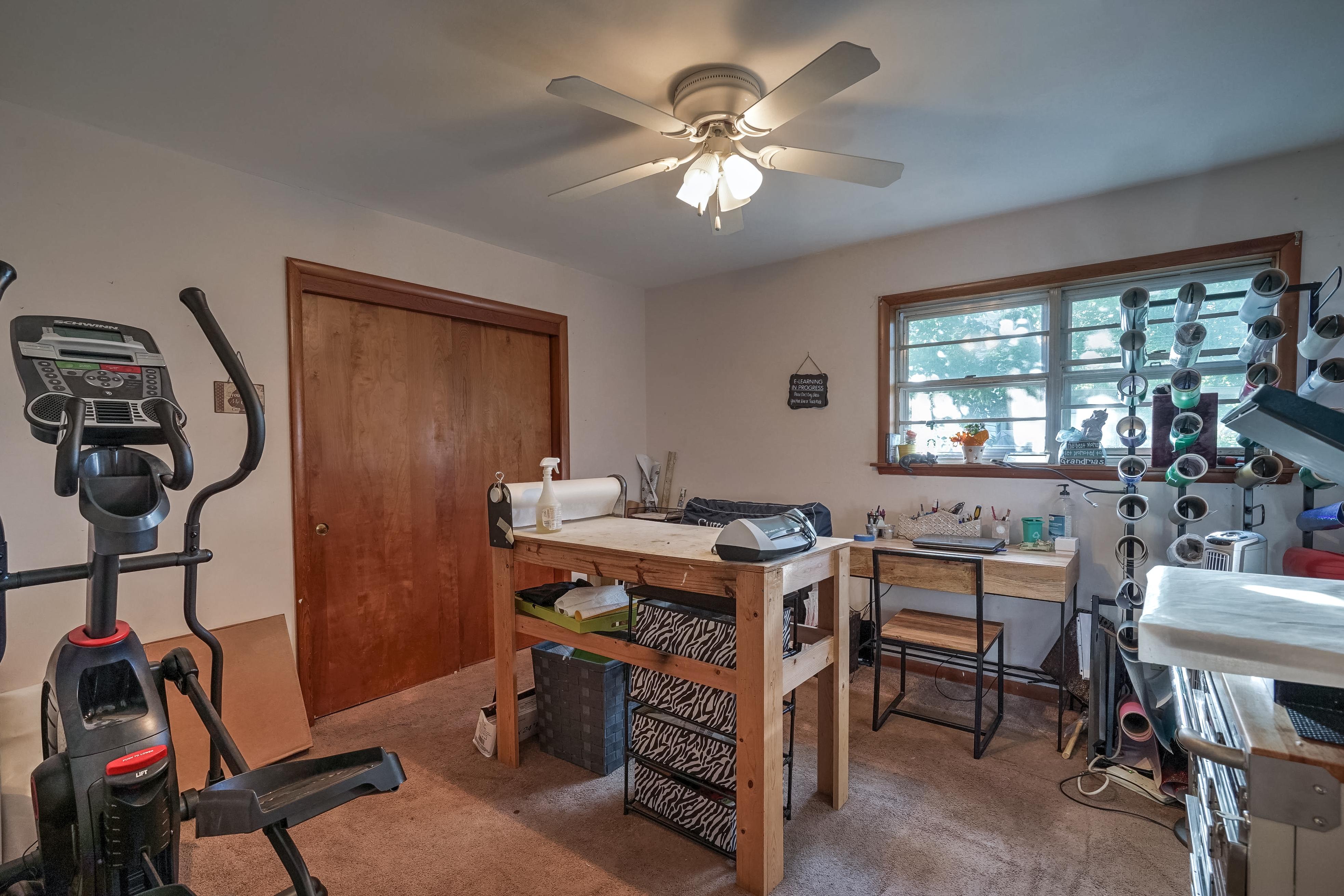 309 E 7th Street Property Photo 20