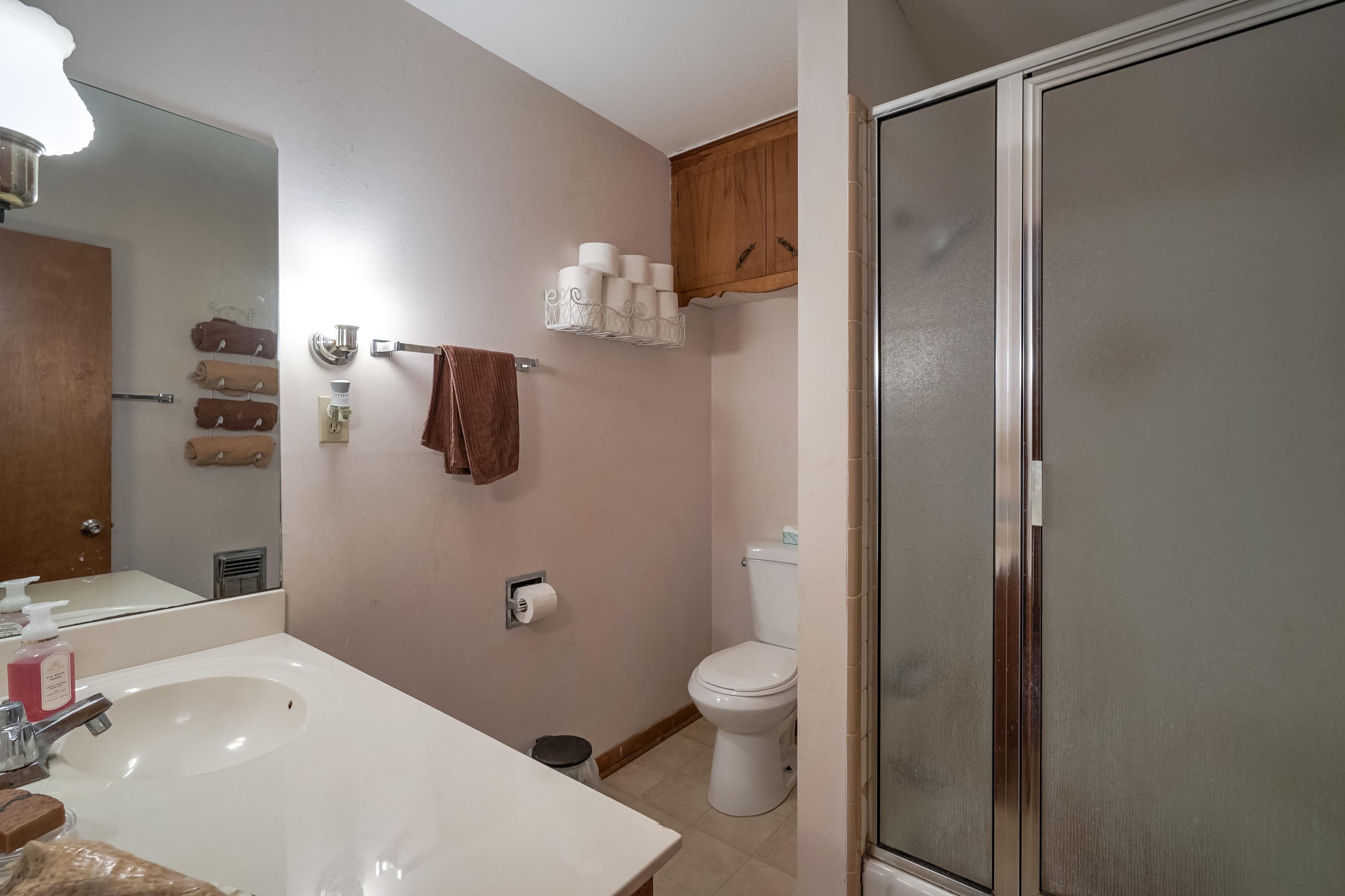 309 E 7th Street Property Photo 21