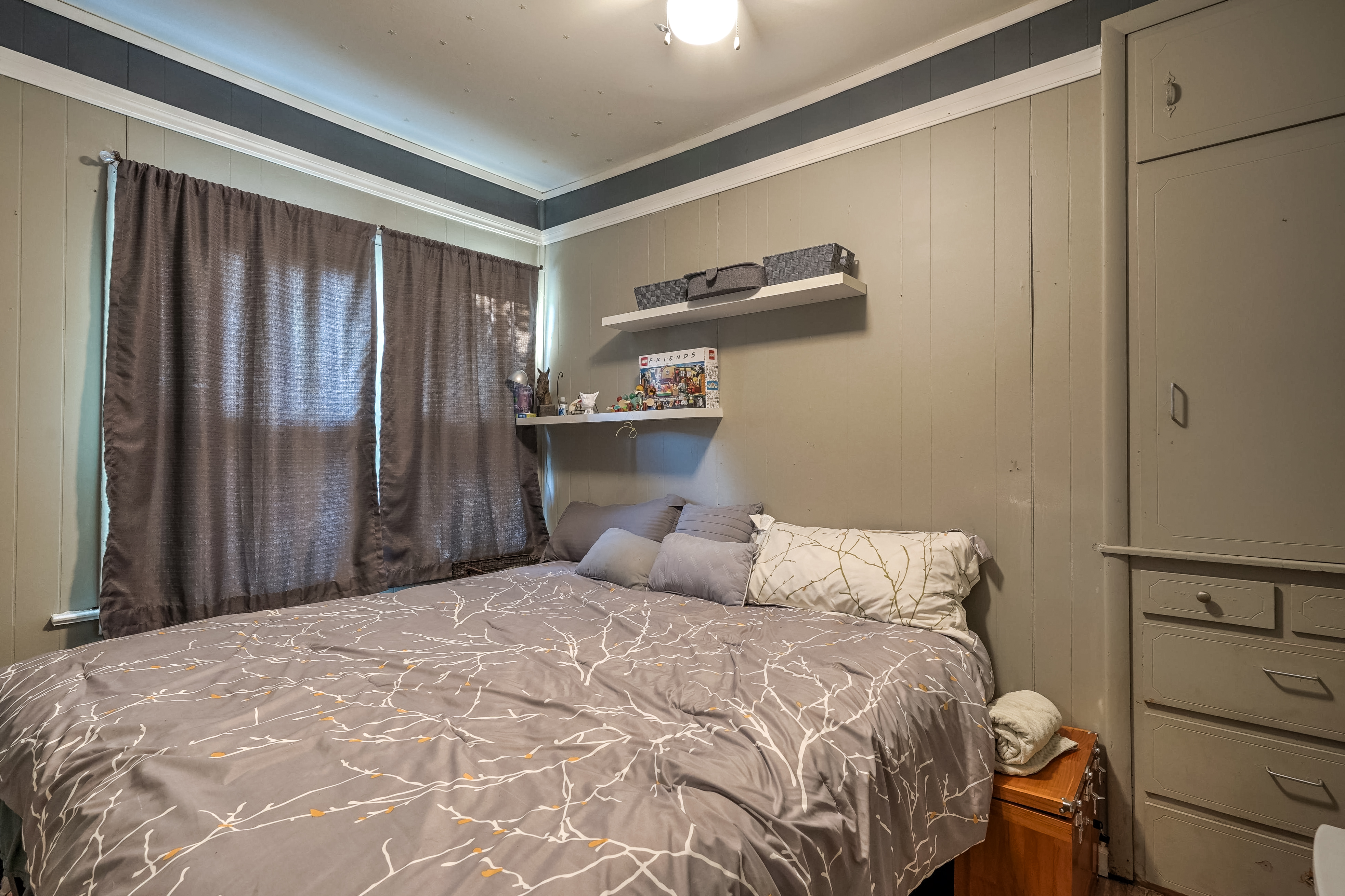 309 E 7th Street Property Photo 18