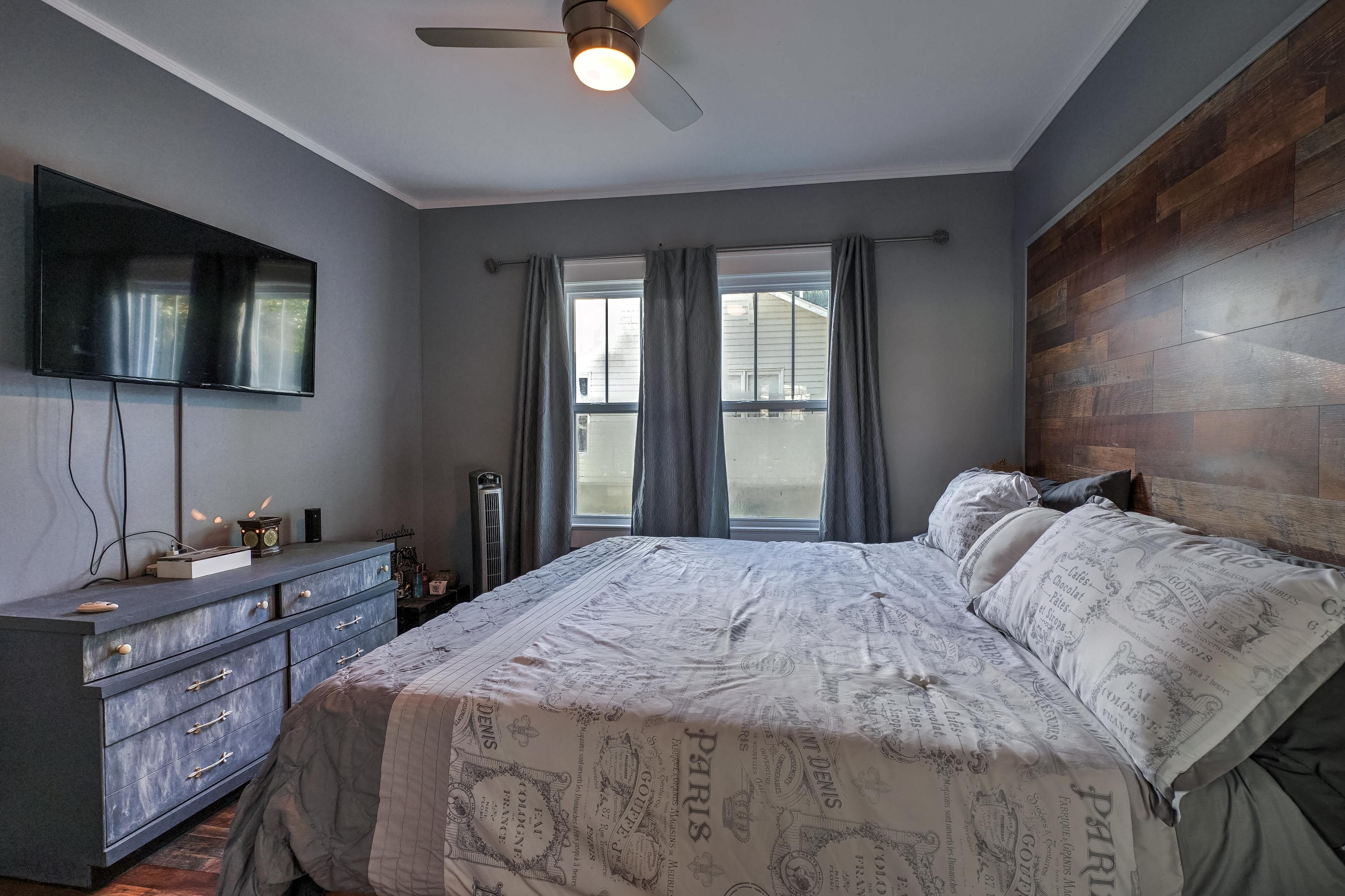 309 E 7th Street Property Photo 14