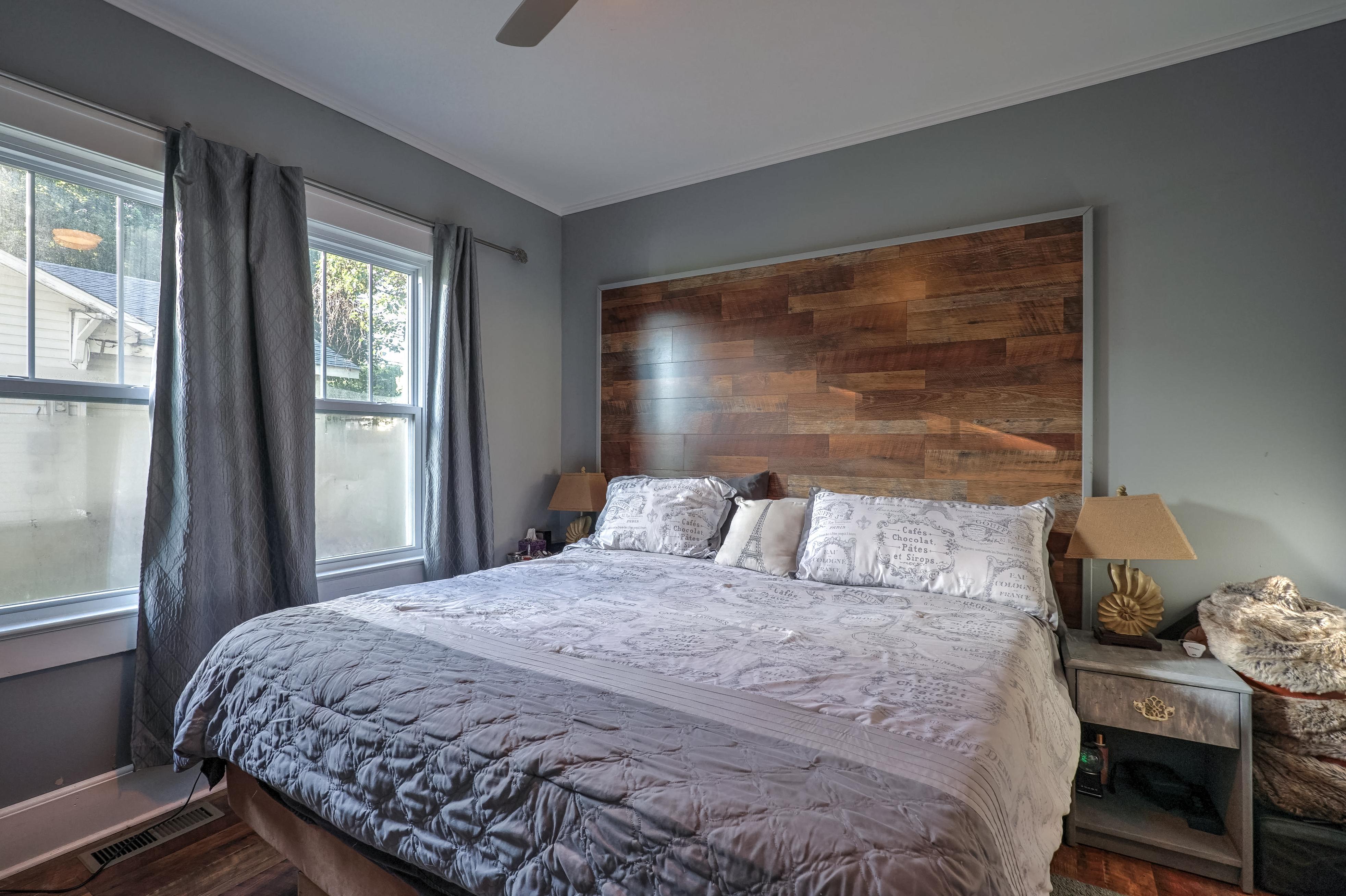 309 E 7th Street Property Photo 16