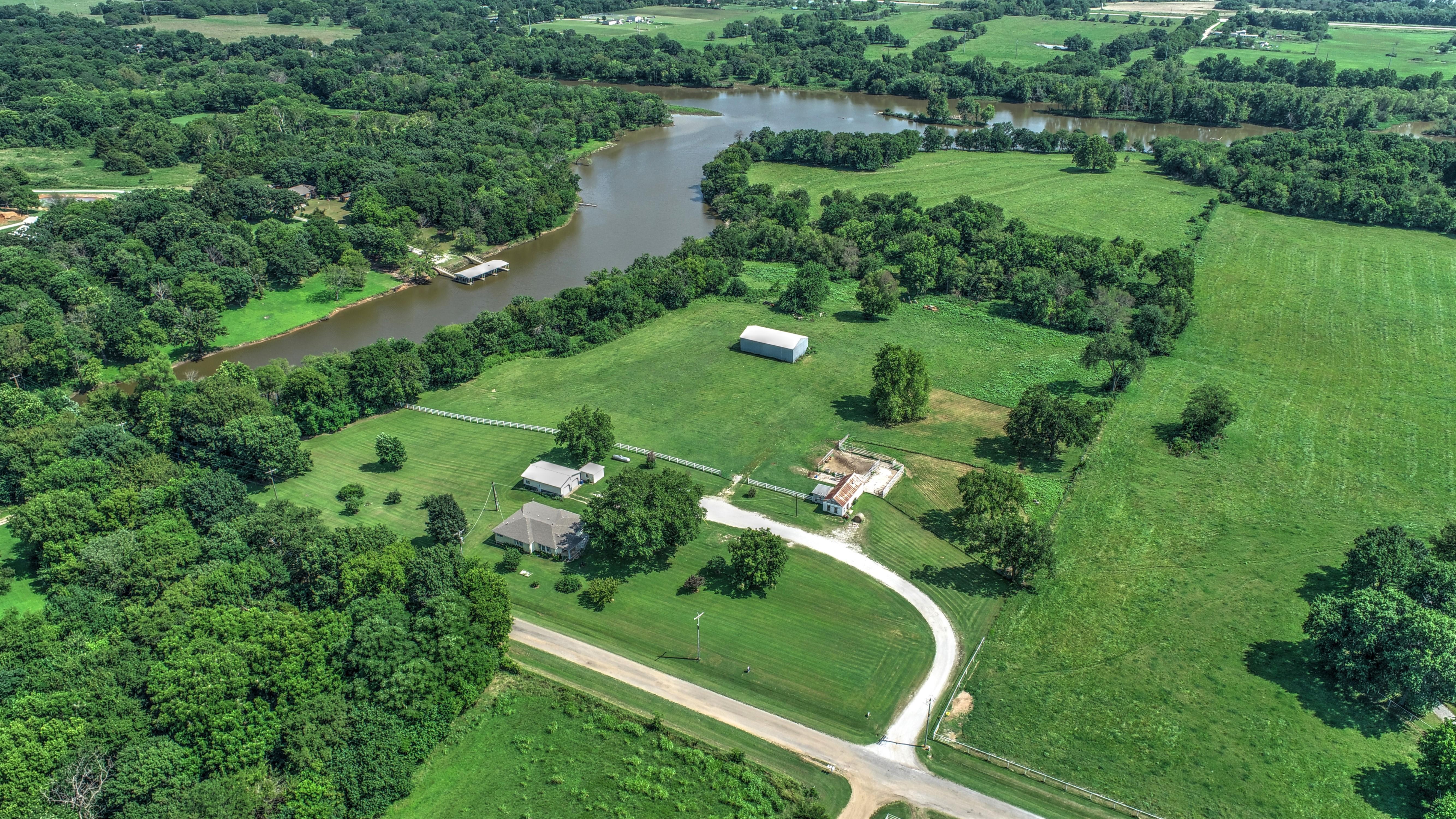 441501 E 380 Road Property Photo