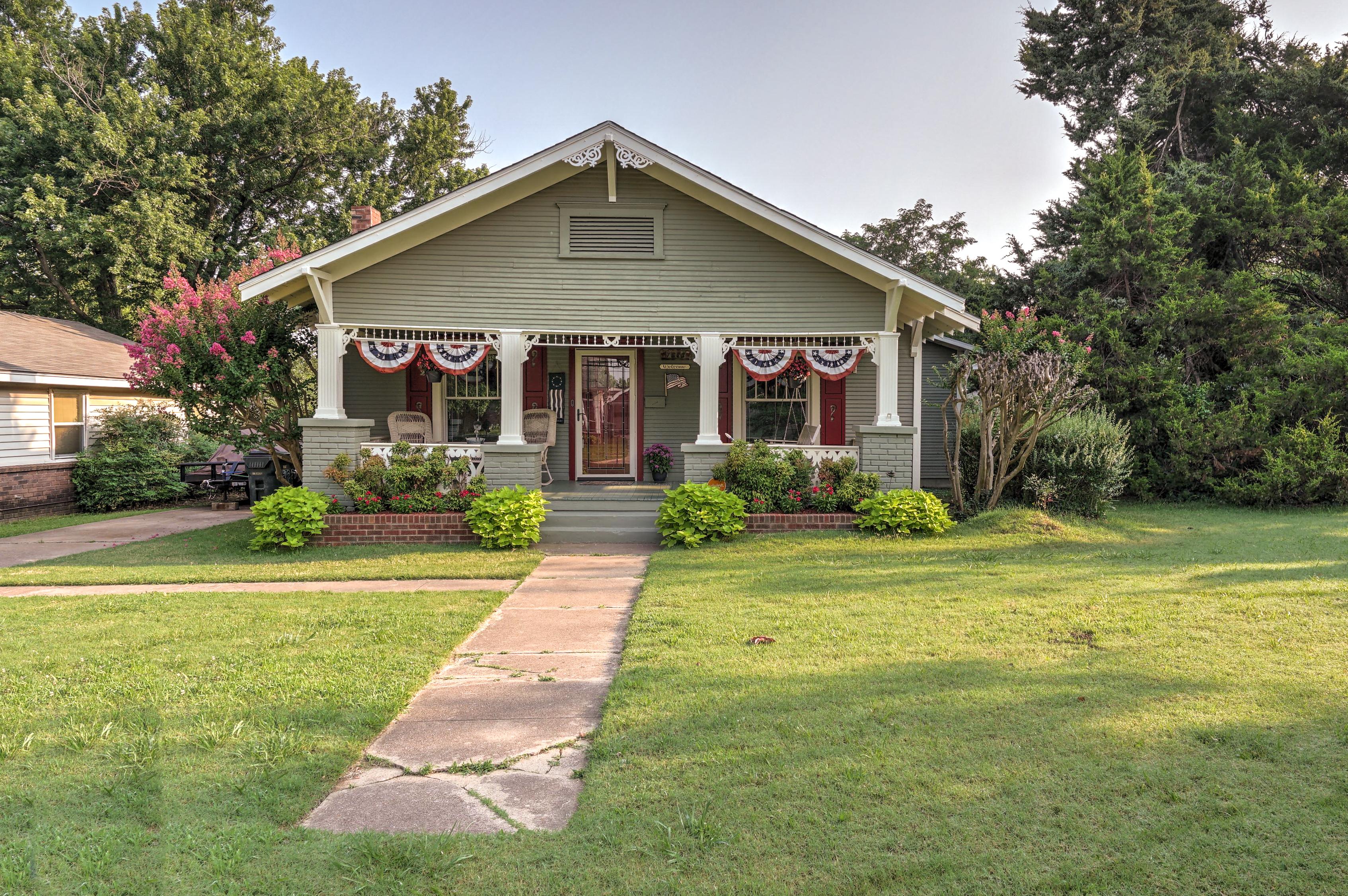 1323 E Fairview Avenue Property Photo