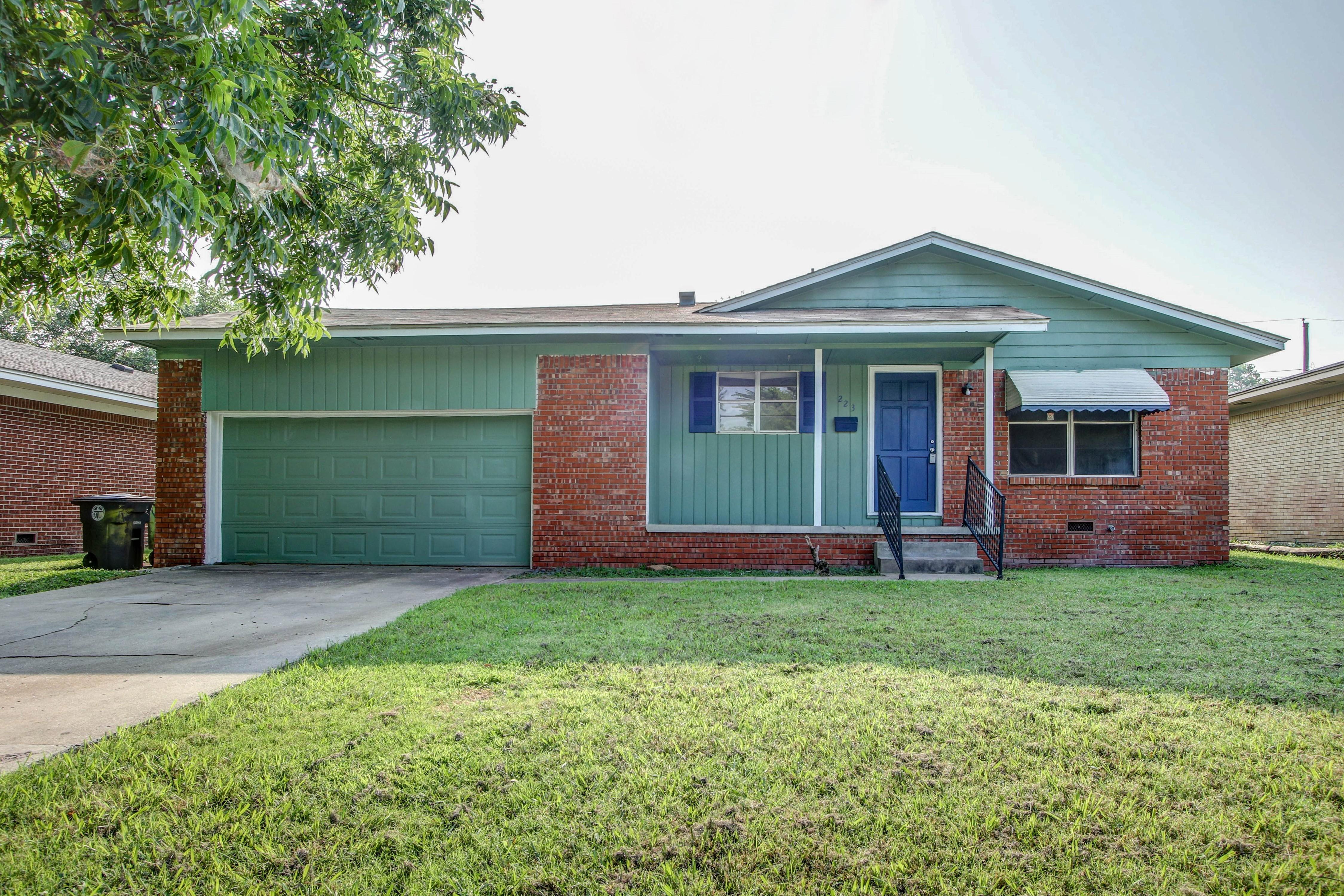 74128 Real Estate Listings Main Image