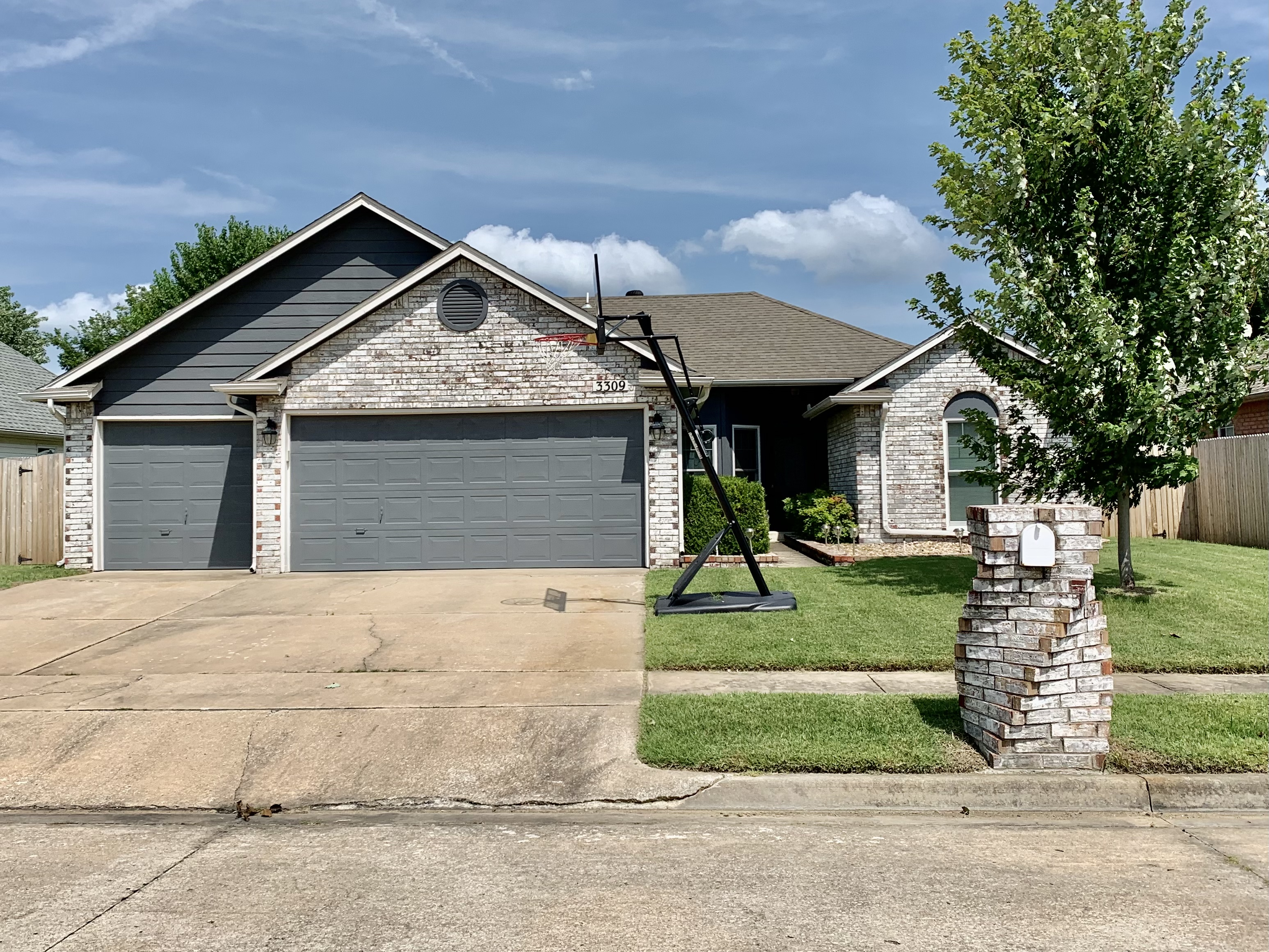 3309 N 6th Street Property Photo 1