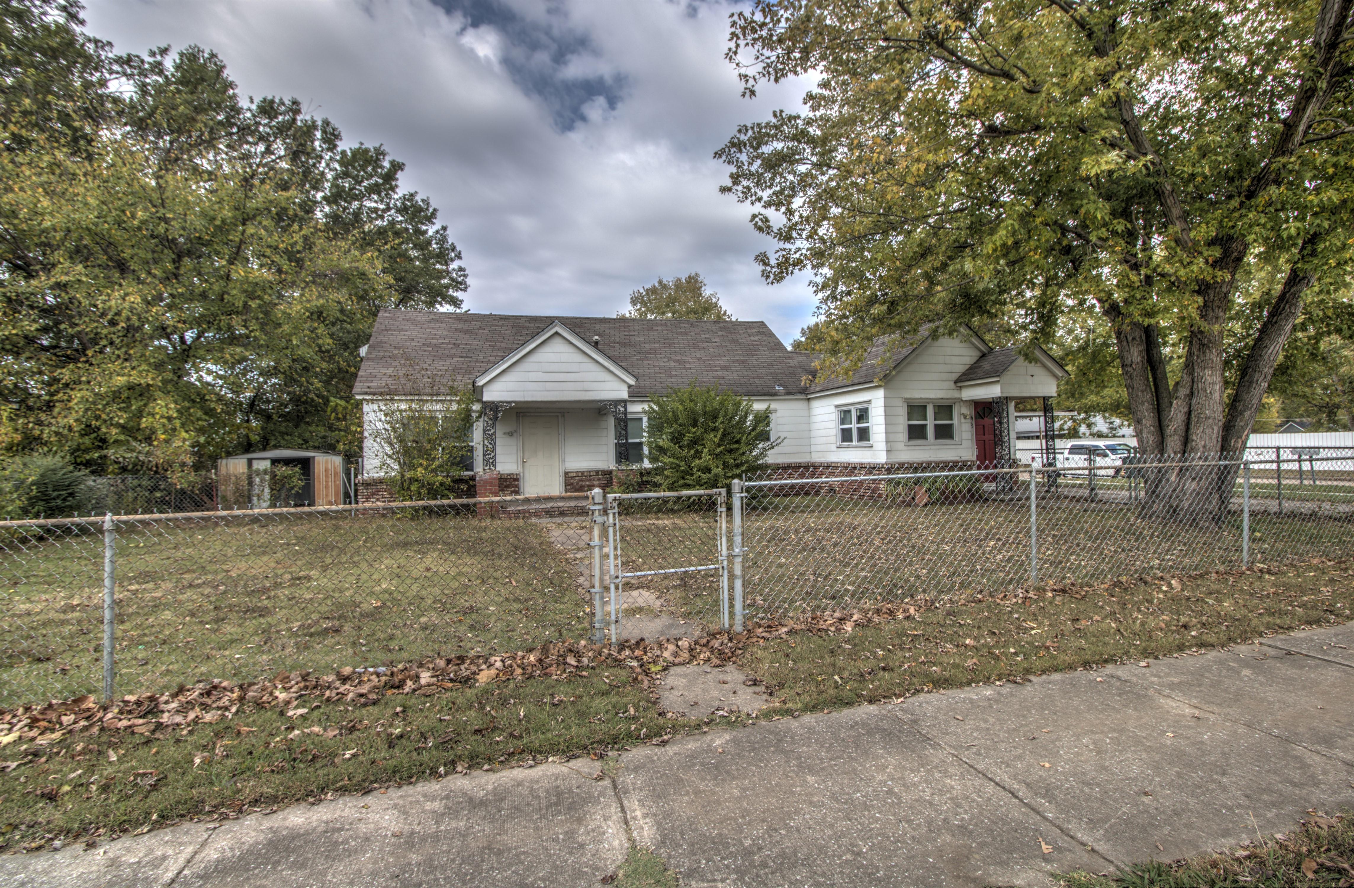 615 N Seminole Avenue Property Photo