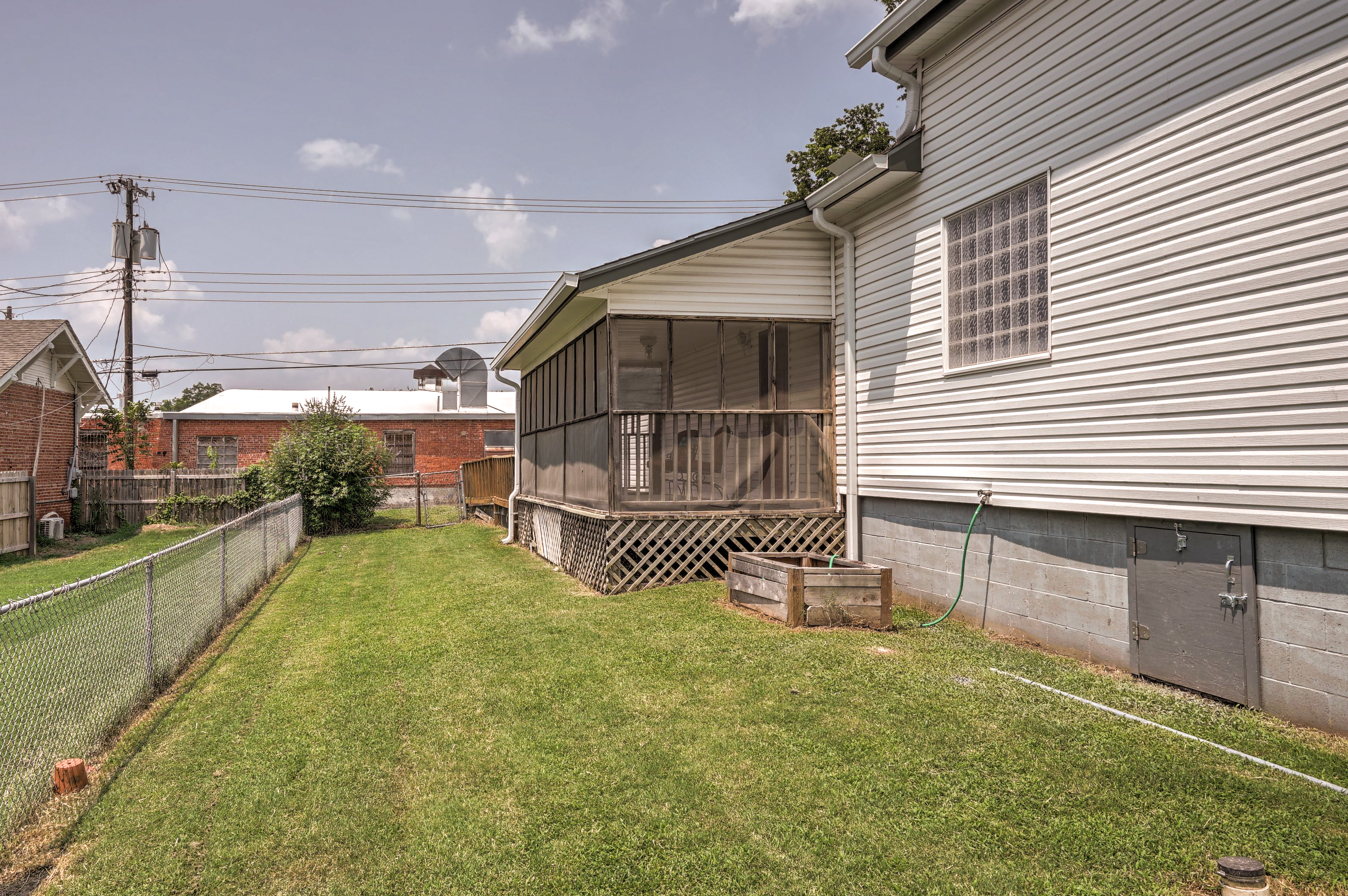 210 S Water Street Property Photo 29