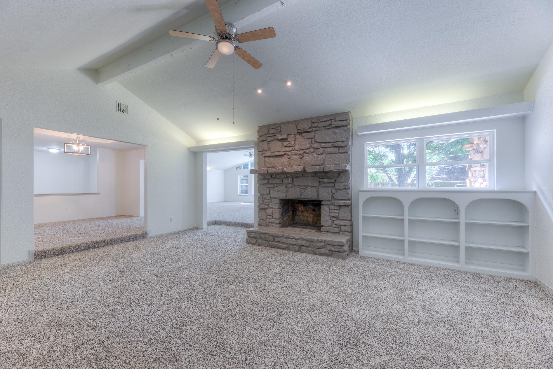 7815 S Joplin Avenue Property Photo 5