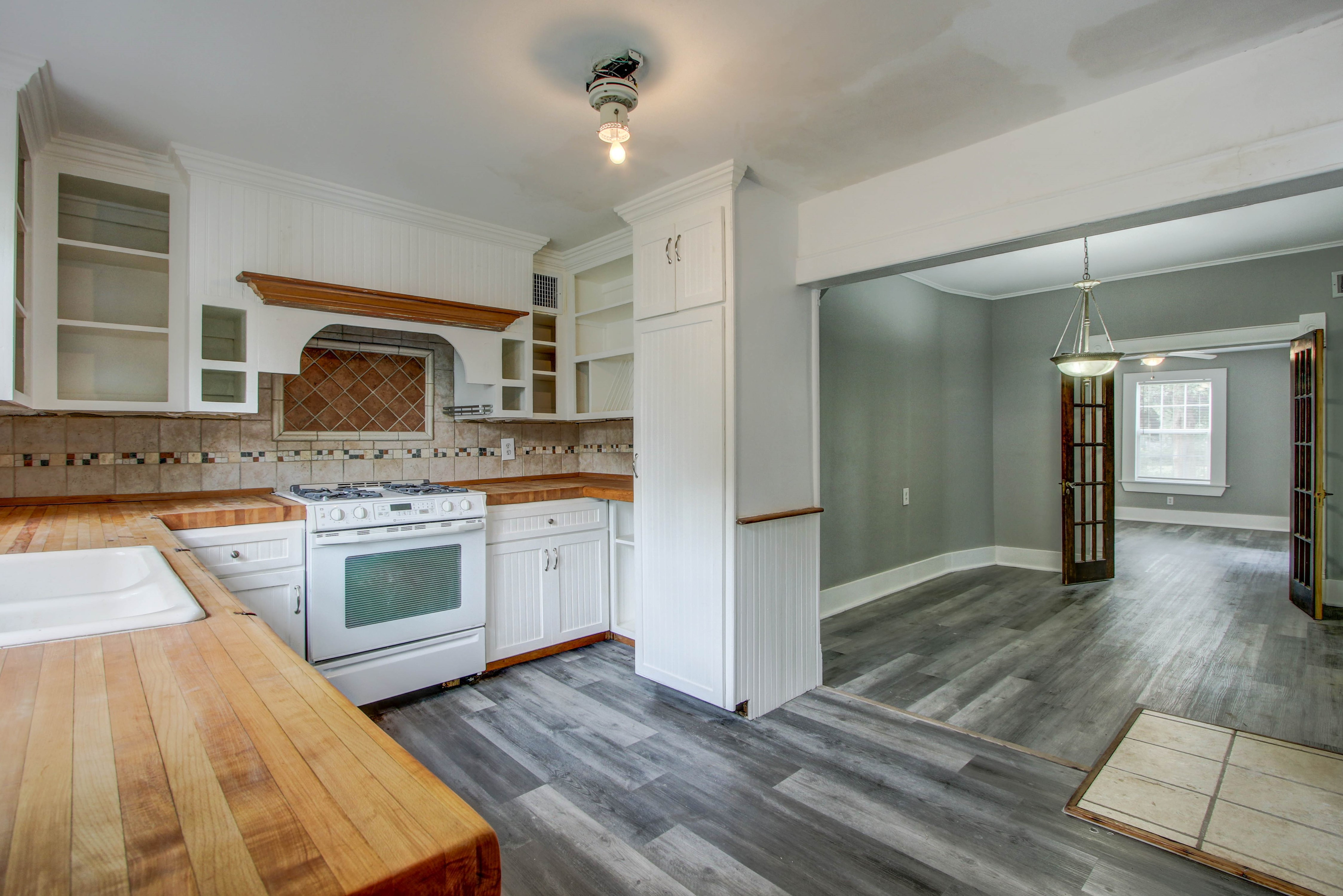 504 W El Paso Street Property Photo 10
