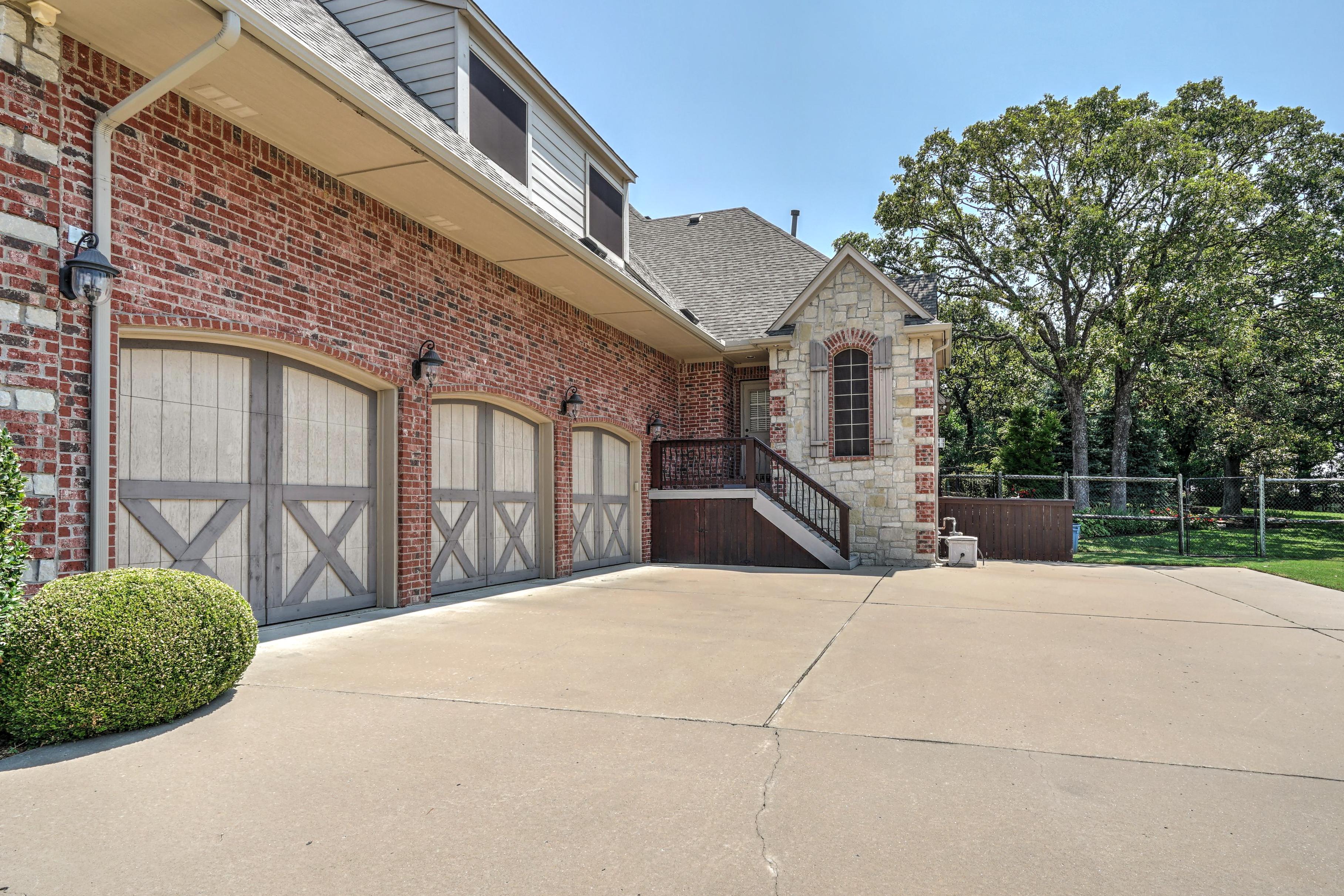 14037 S Kingston Avenue Property Photo 5