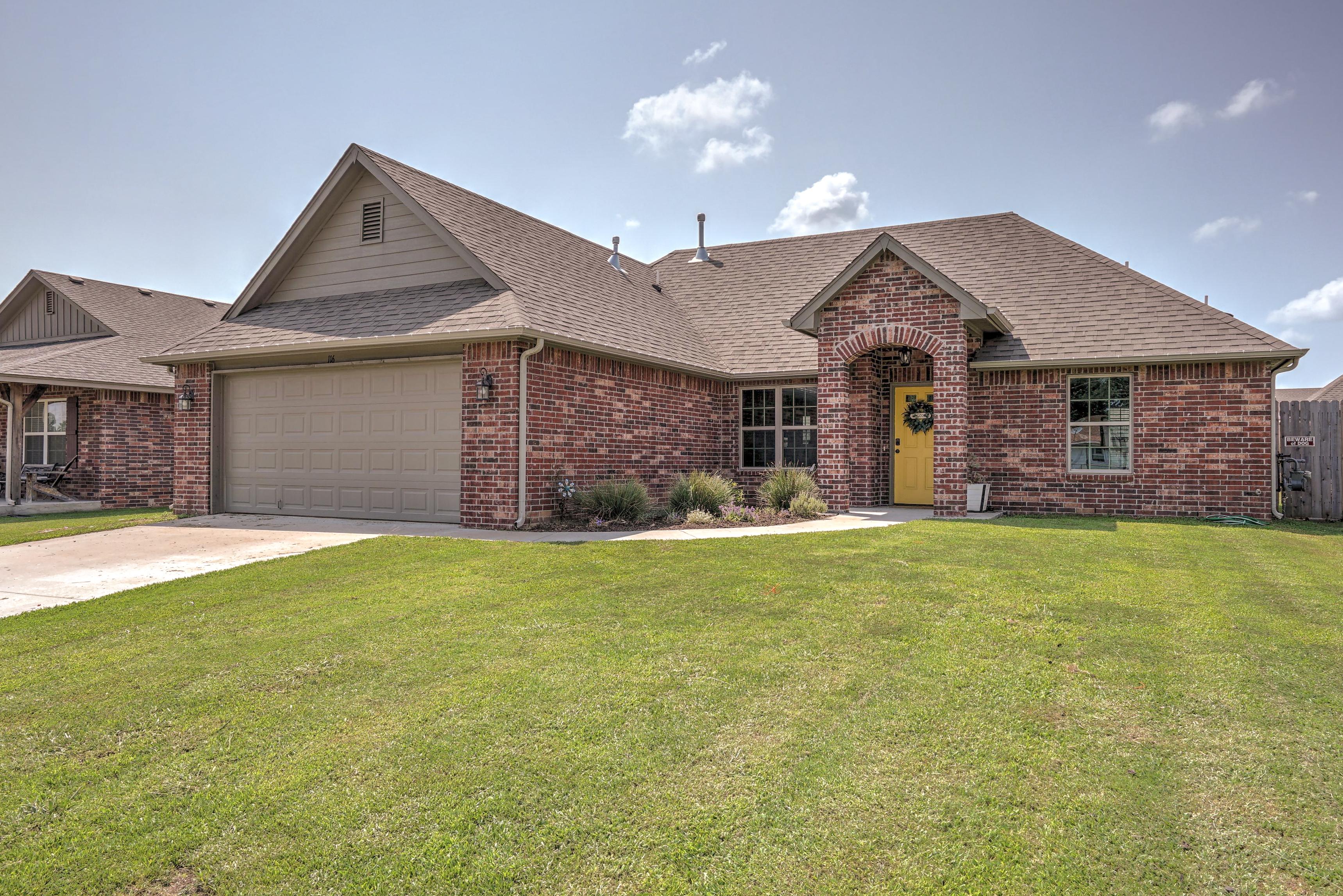 116 W Dogwood Street Property Photo 1