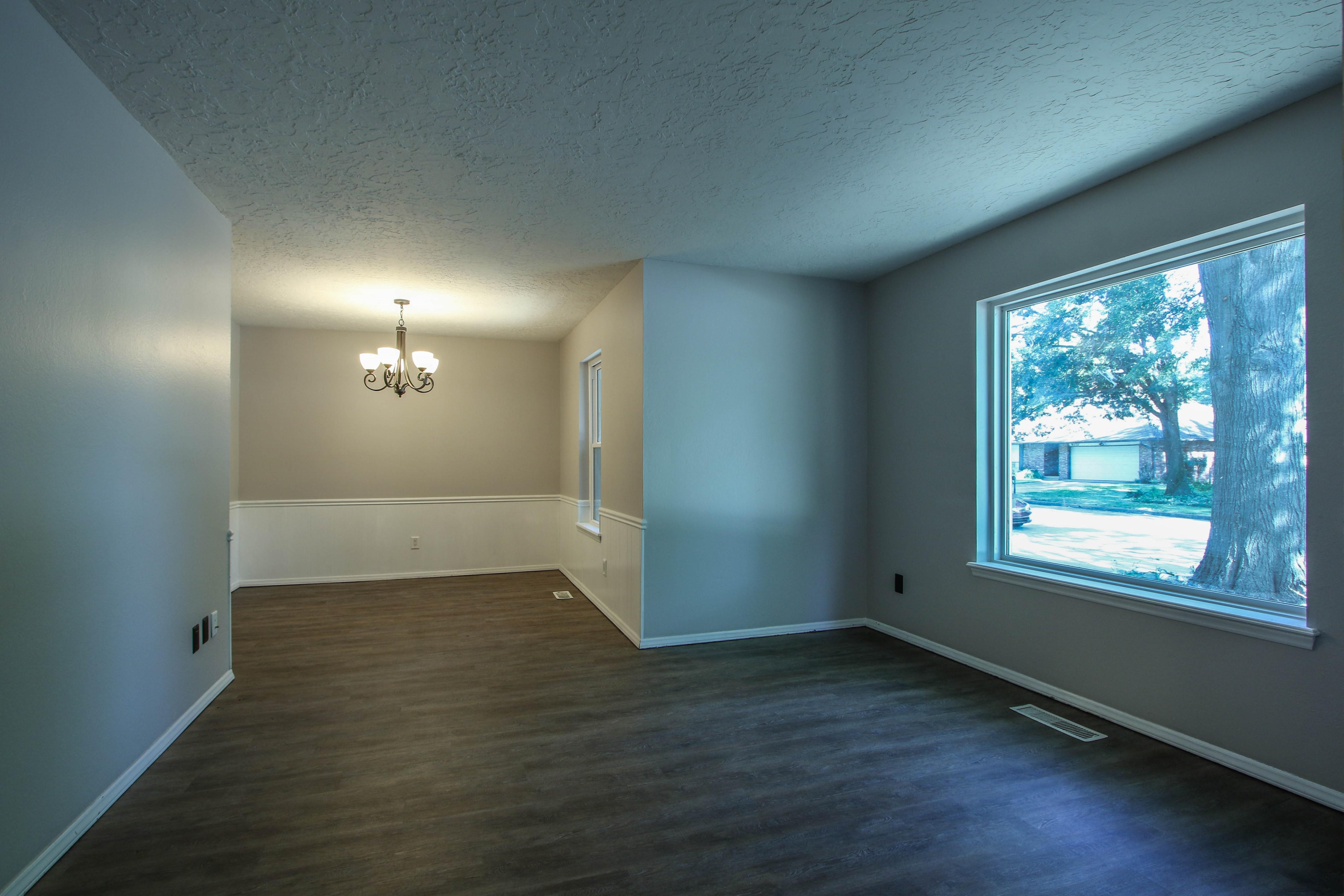 6726 E 76th Street Property Photo 4