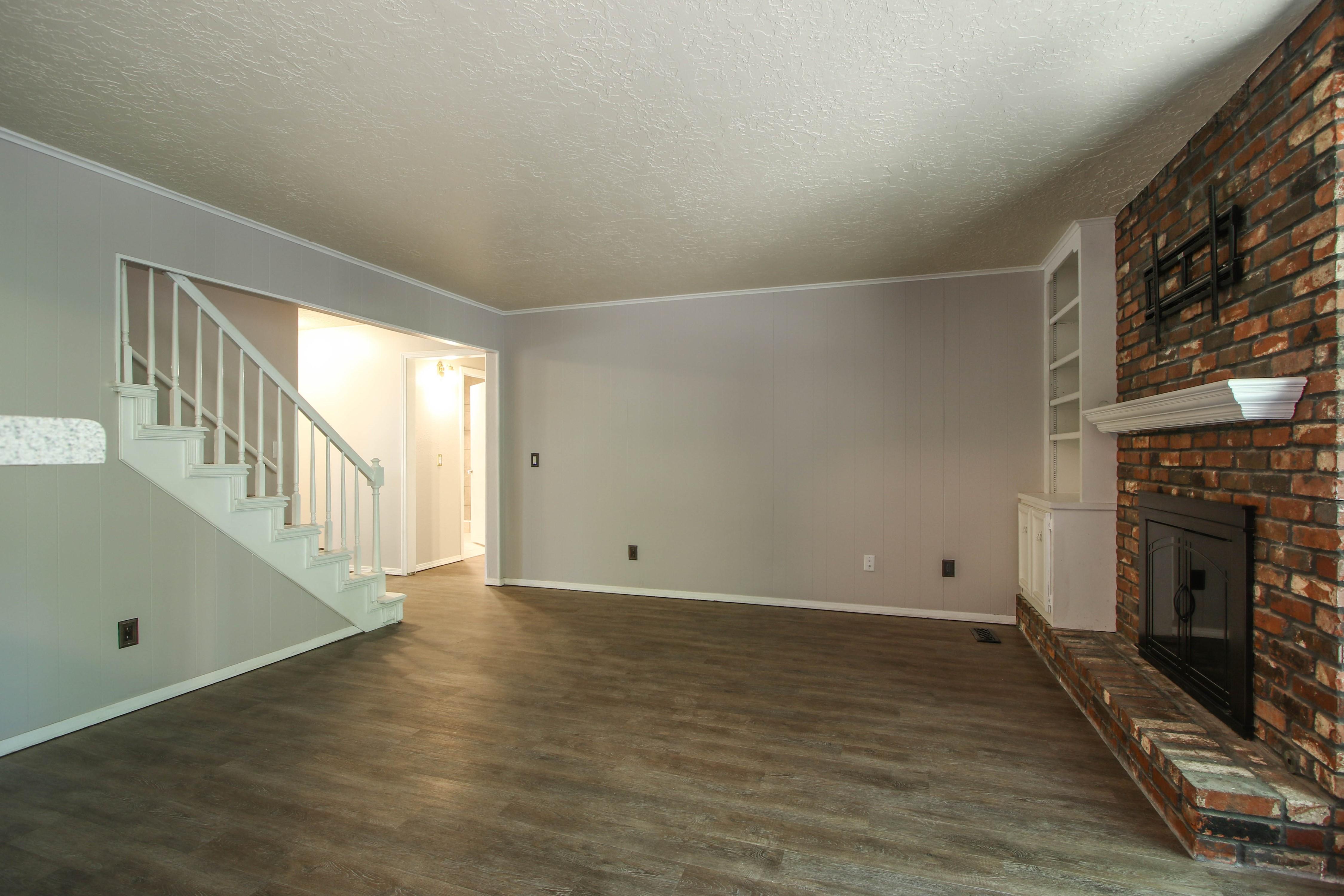 6726 E 76th Street Property Photo 12