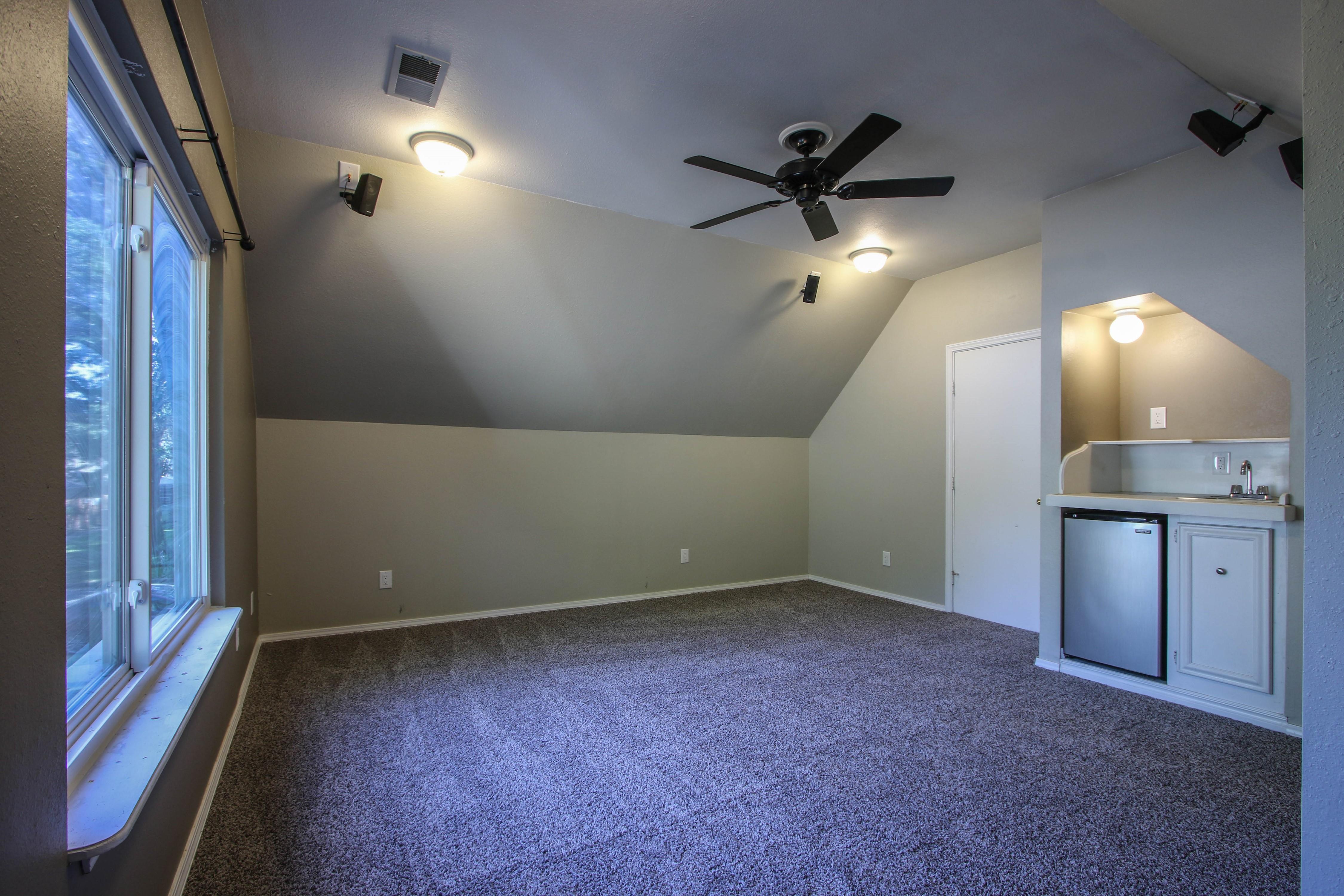 6726 E 76th Street Property Photo 17
