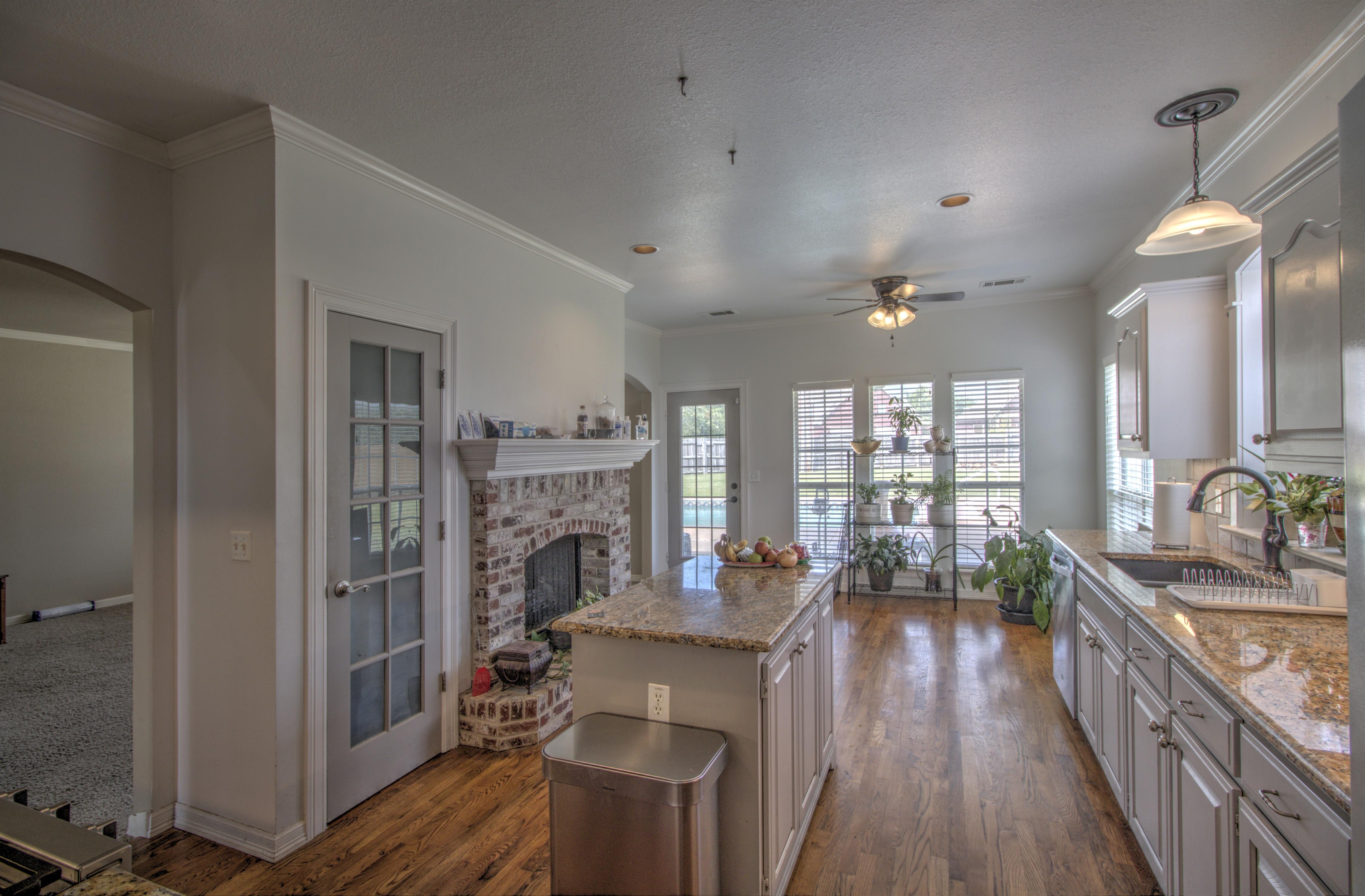 9021 N 137th East Avenue Property Photo 11