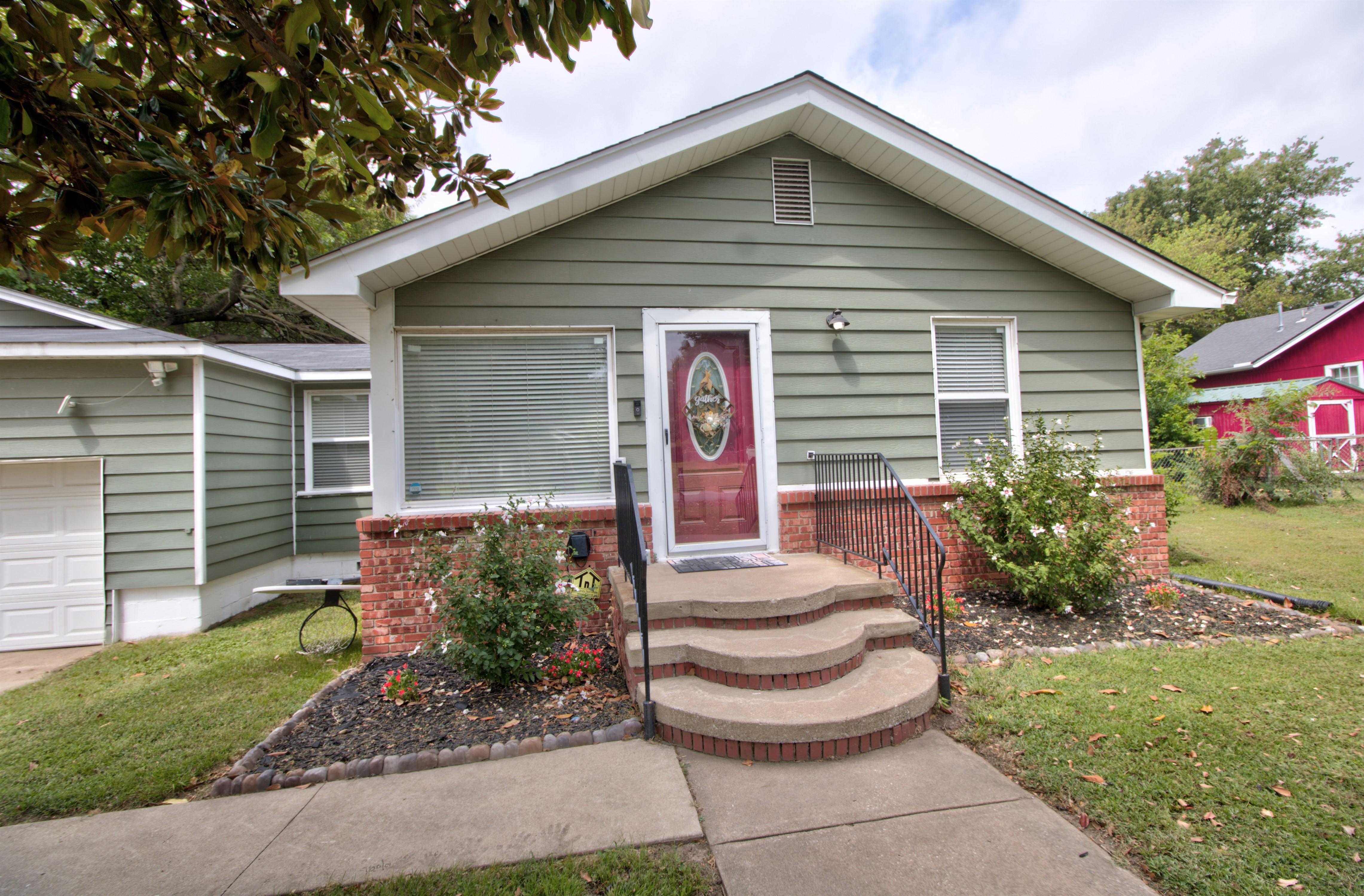 4724 S Santa Fe Avenue Property Photo 4