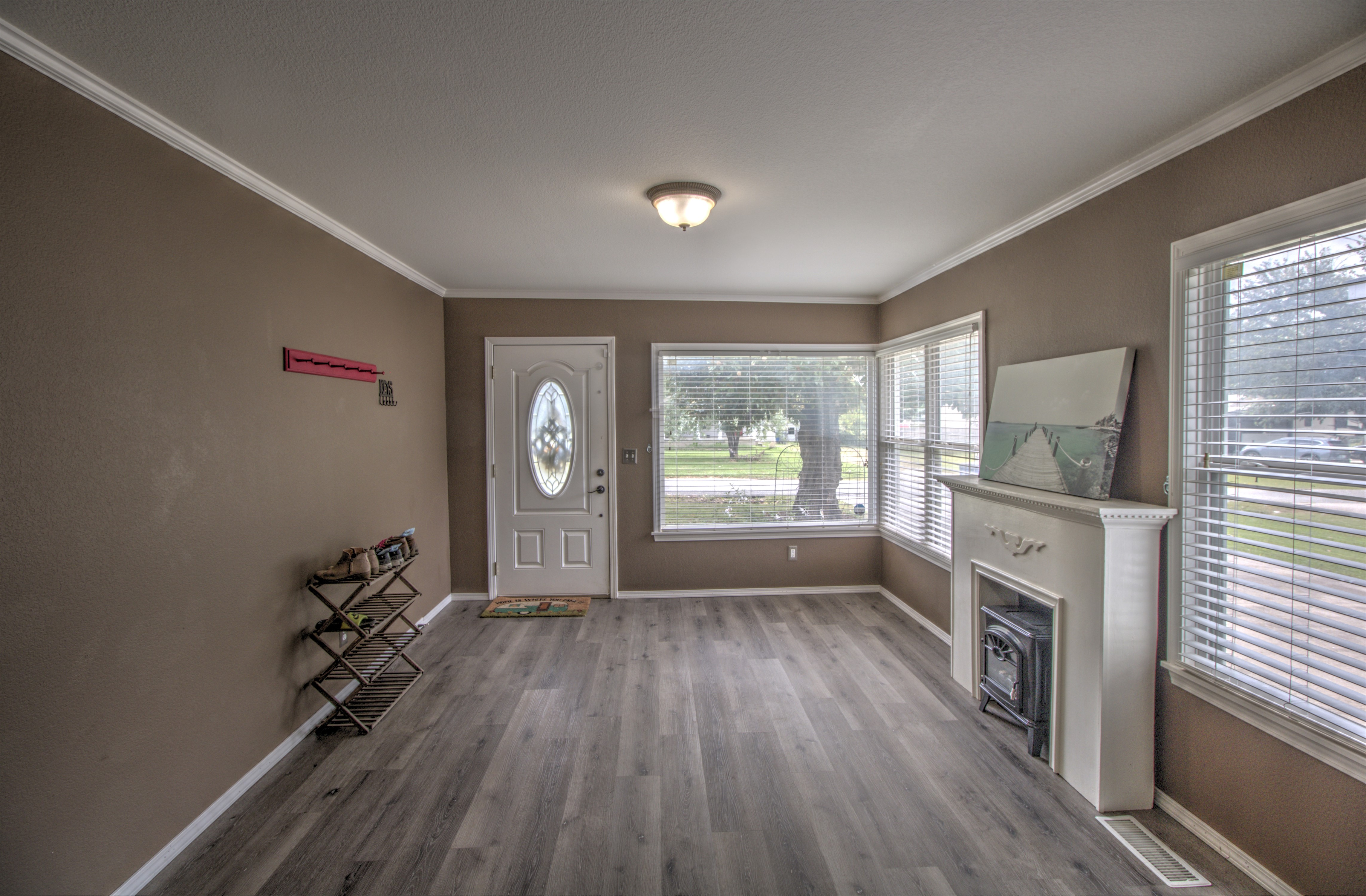 4724 S Santa Fe Avenue Property Photo 6
