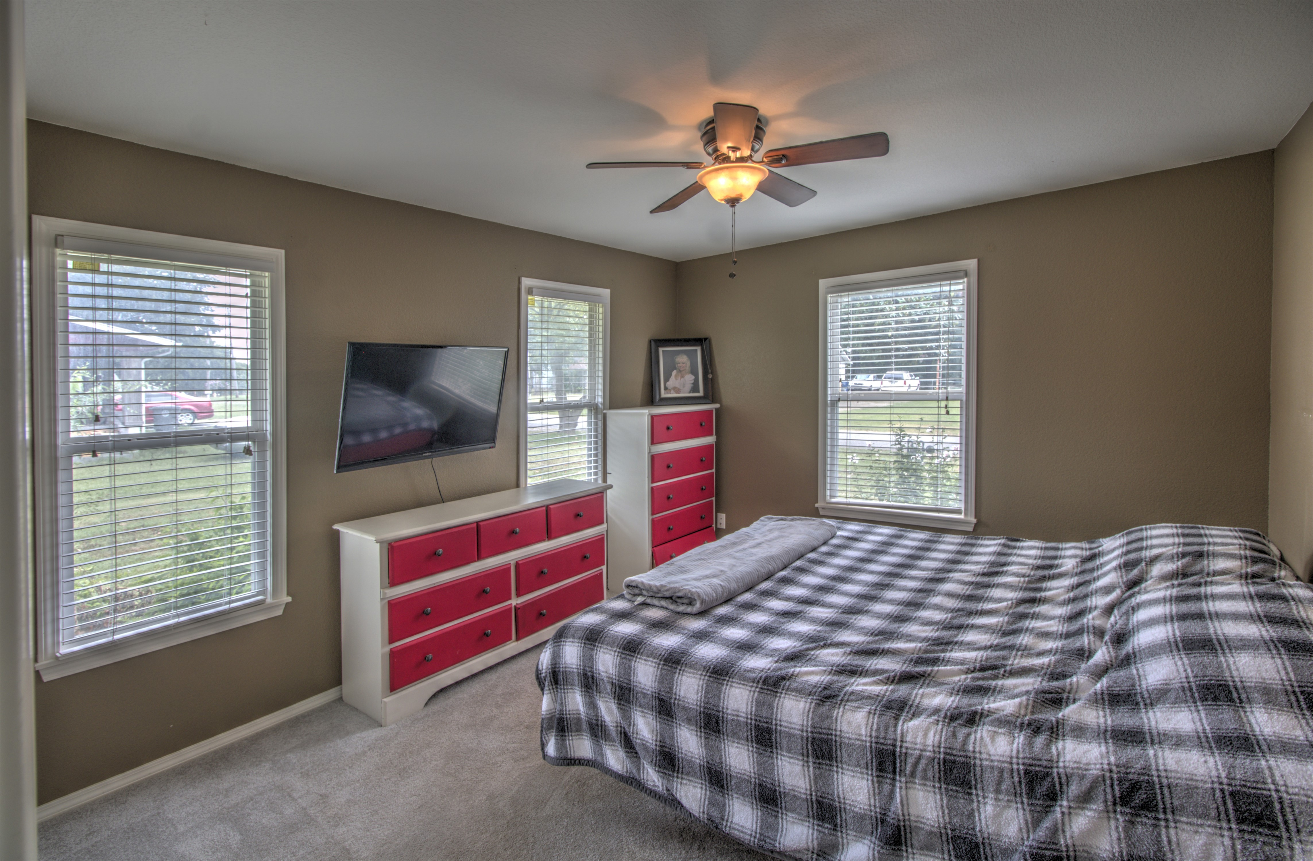 4724 S Santa Fe Avenue Property Photo 15