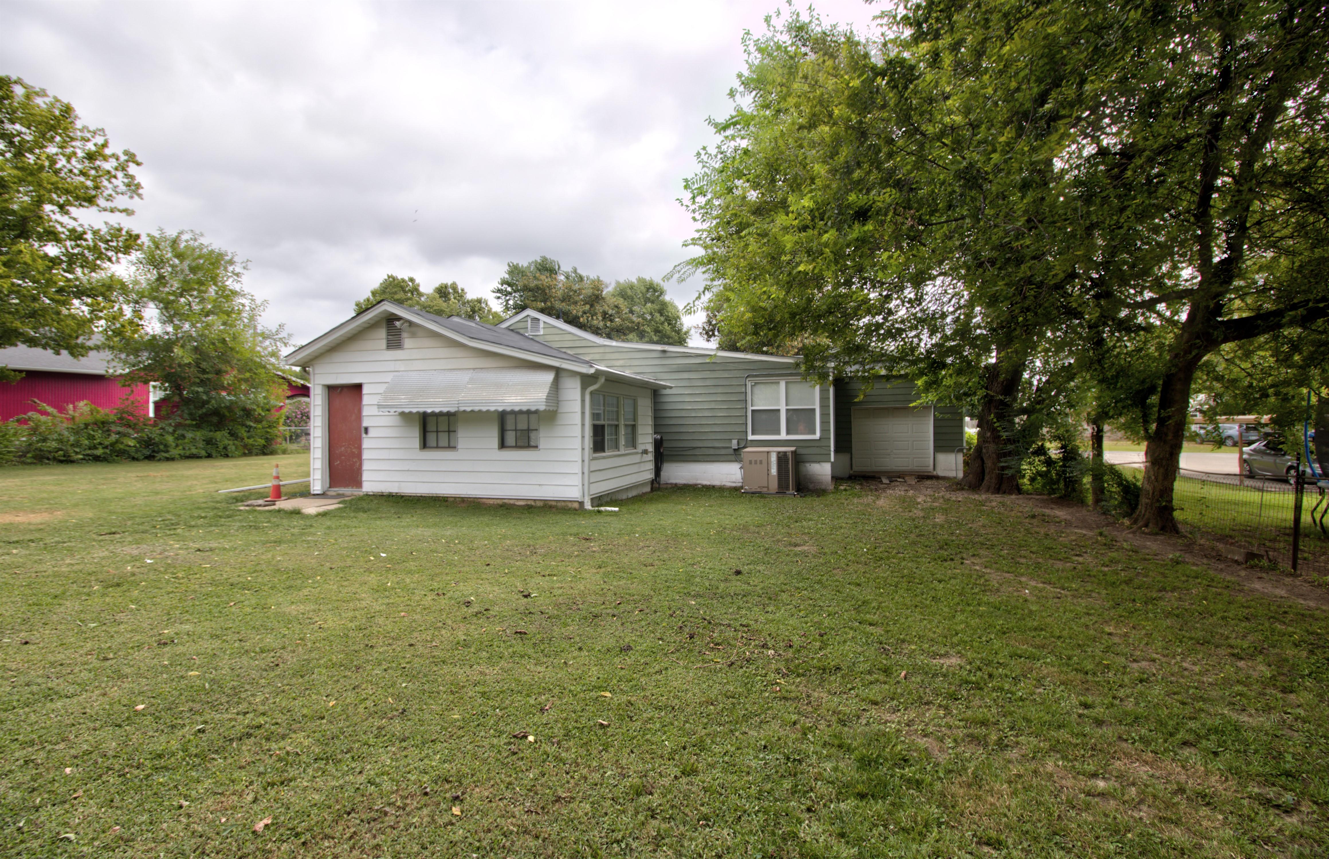 4724 S Santa Fe Avenue Property Photo 24