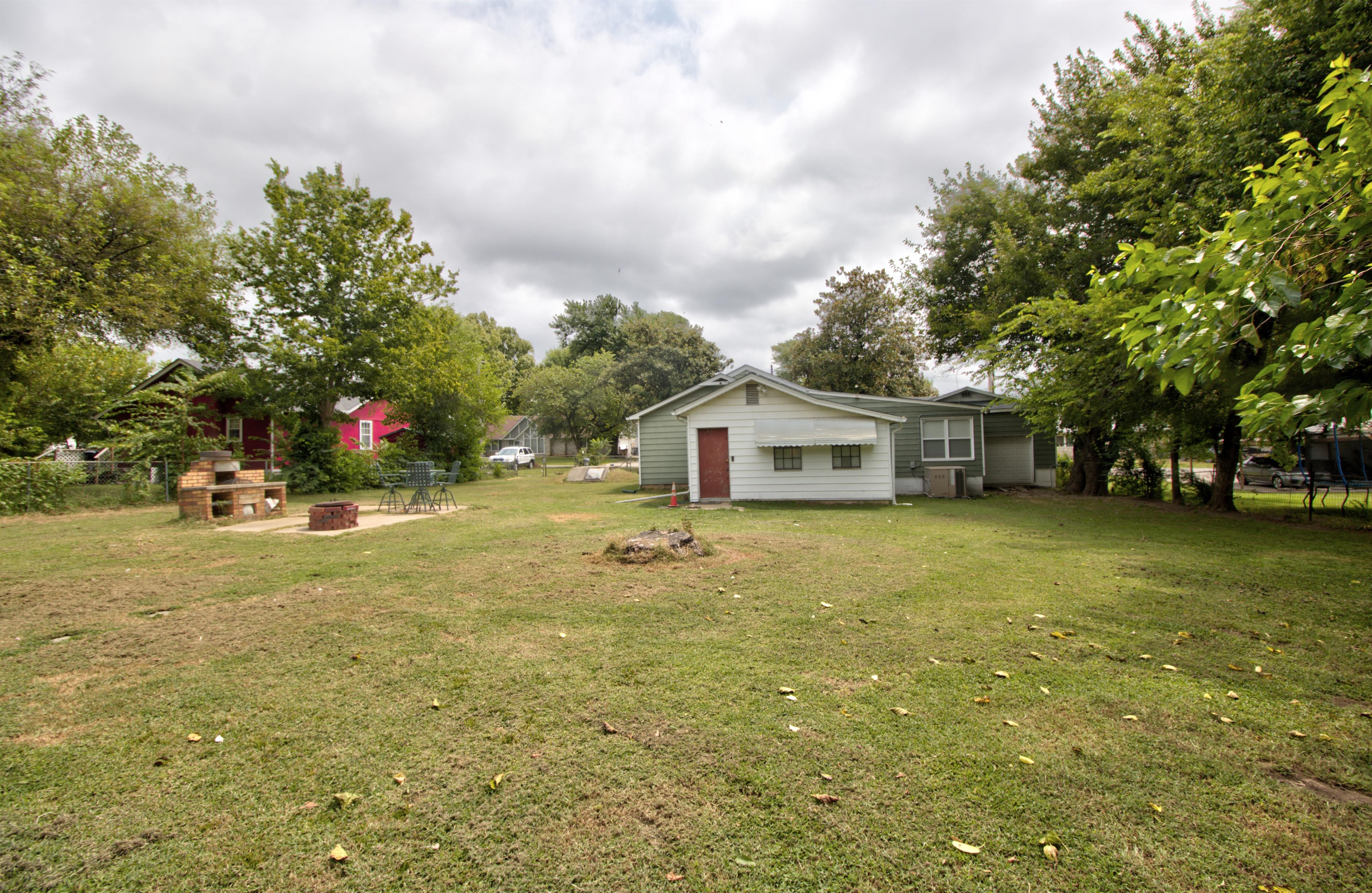 4724 S Santa Fe Avenue Property Photo 27