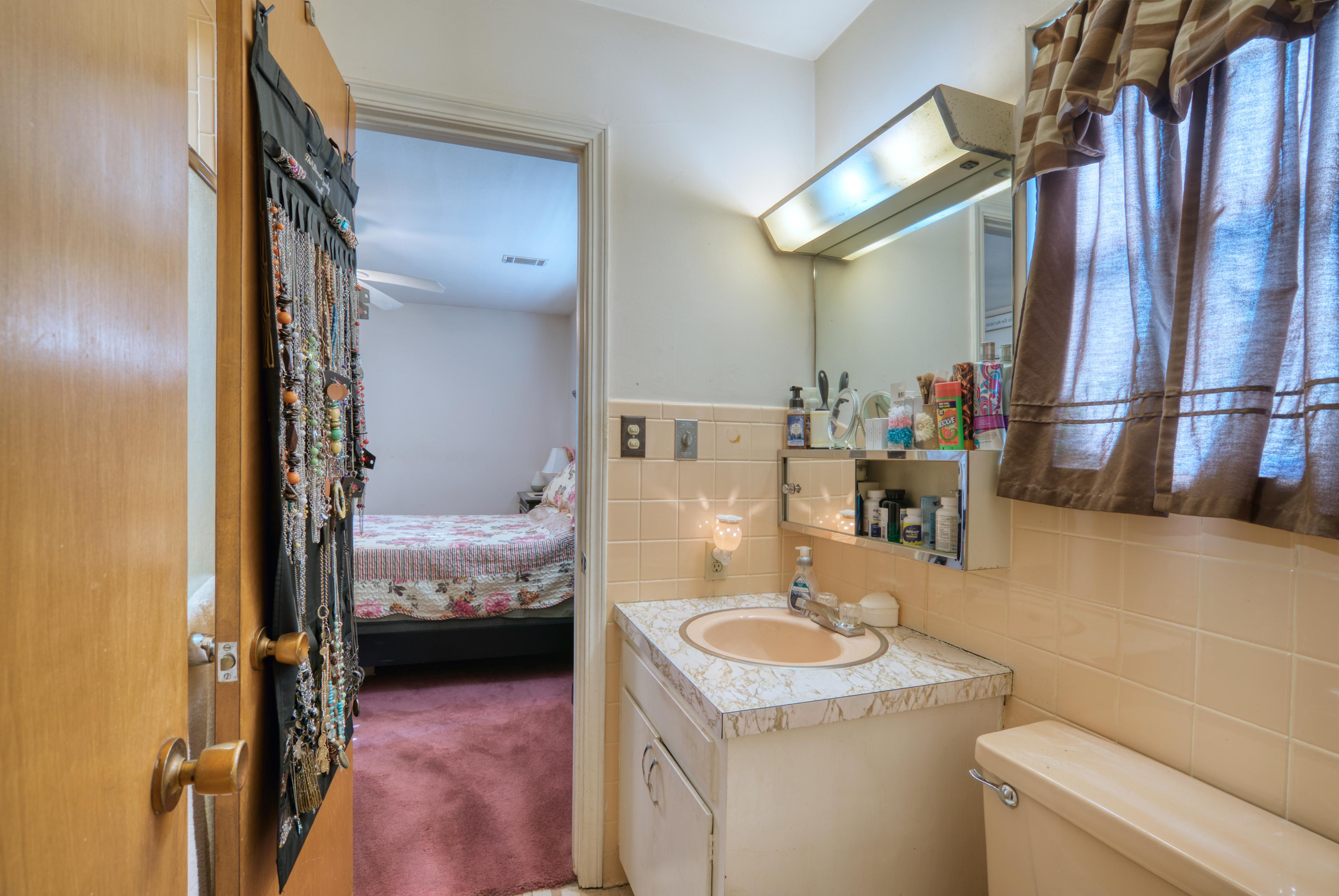 1414 S Delaware Avenue Property Photo 20