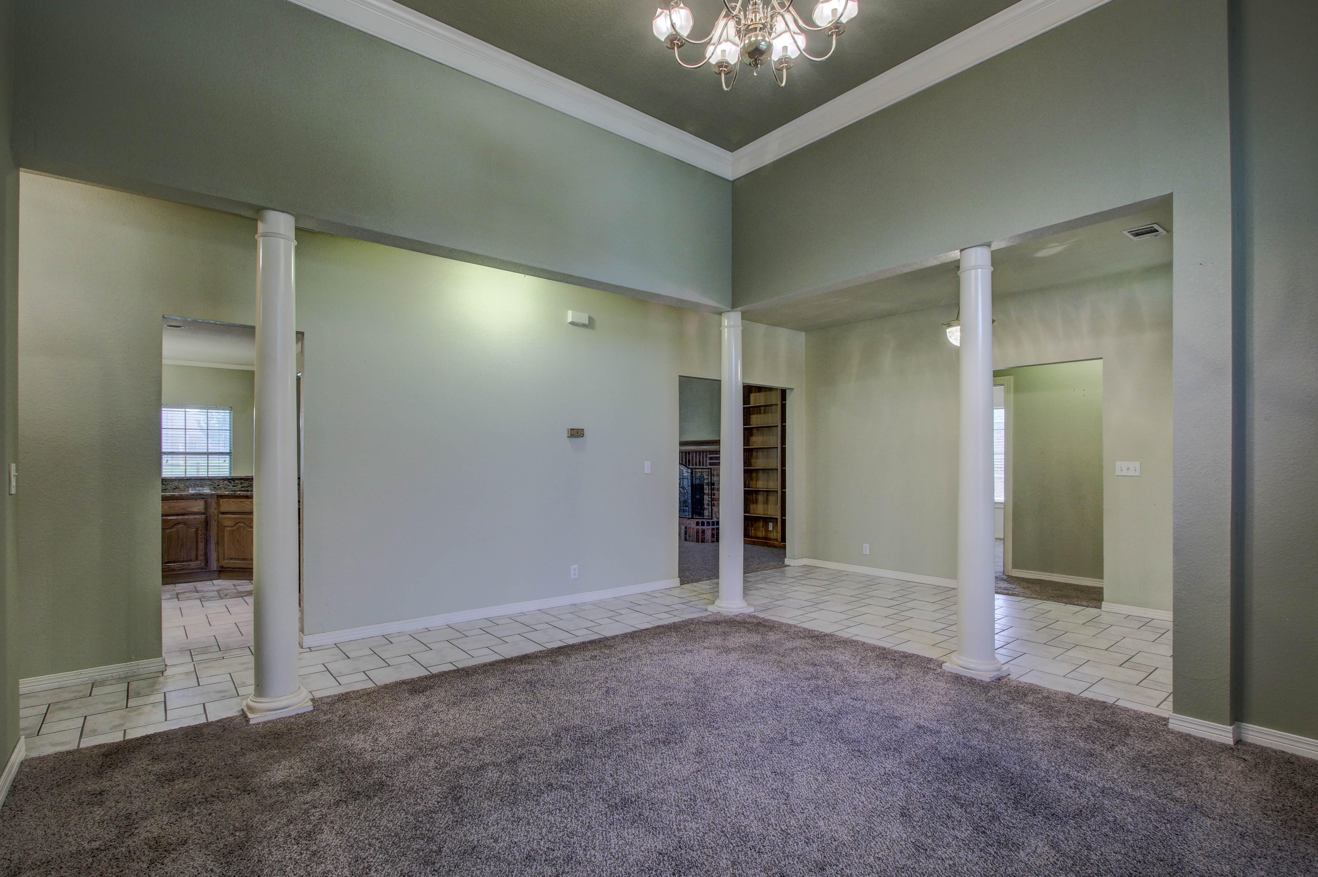 9123 N 102nd East Avenue Property Photo 4
