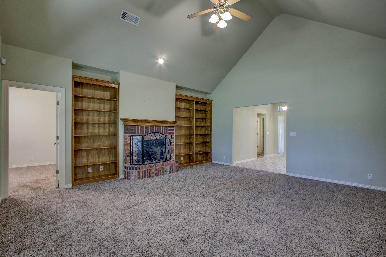 9123 N 102nd East Avenue Property Photo 7