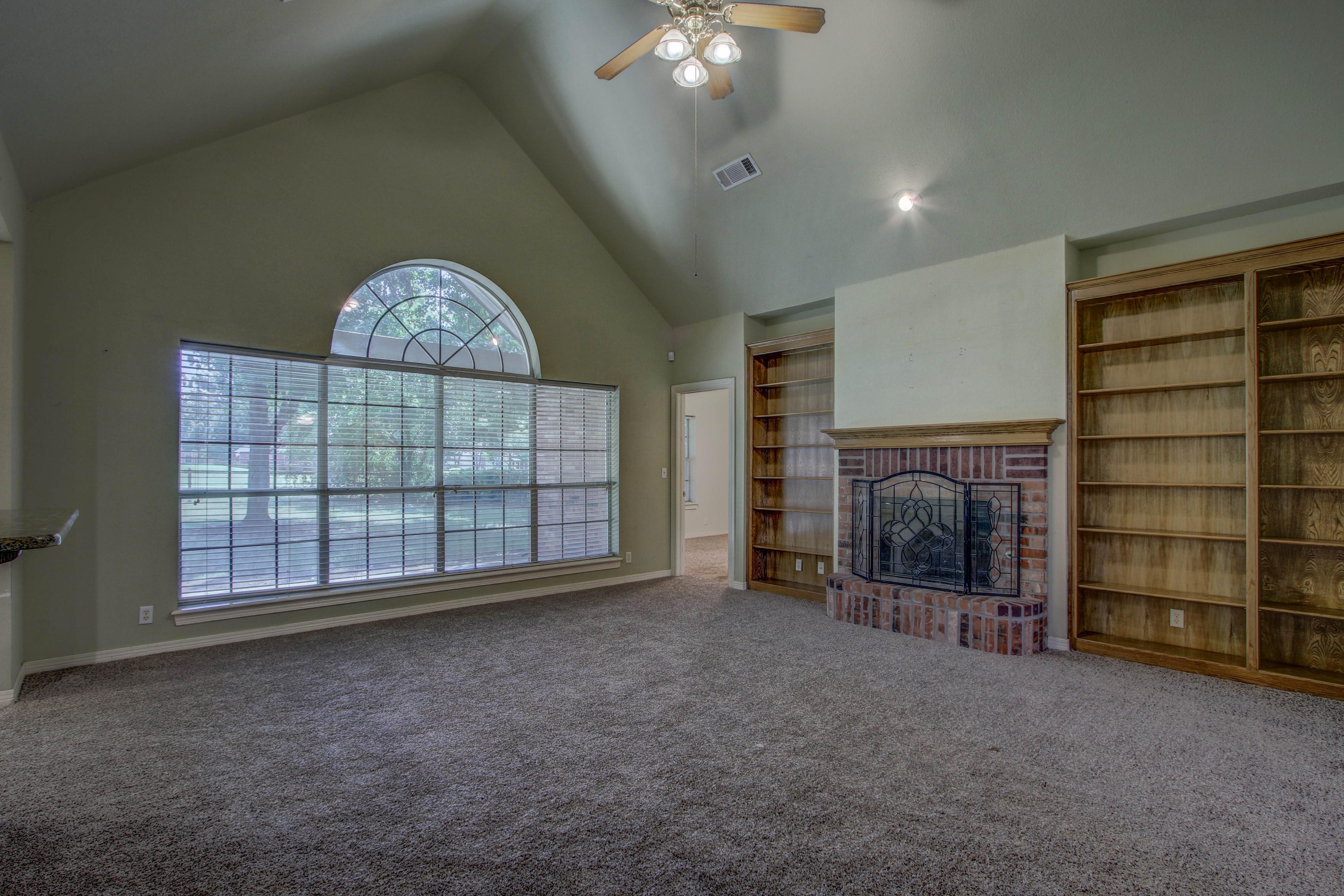 9123 N 102nd East Avenue Property Photo 5