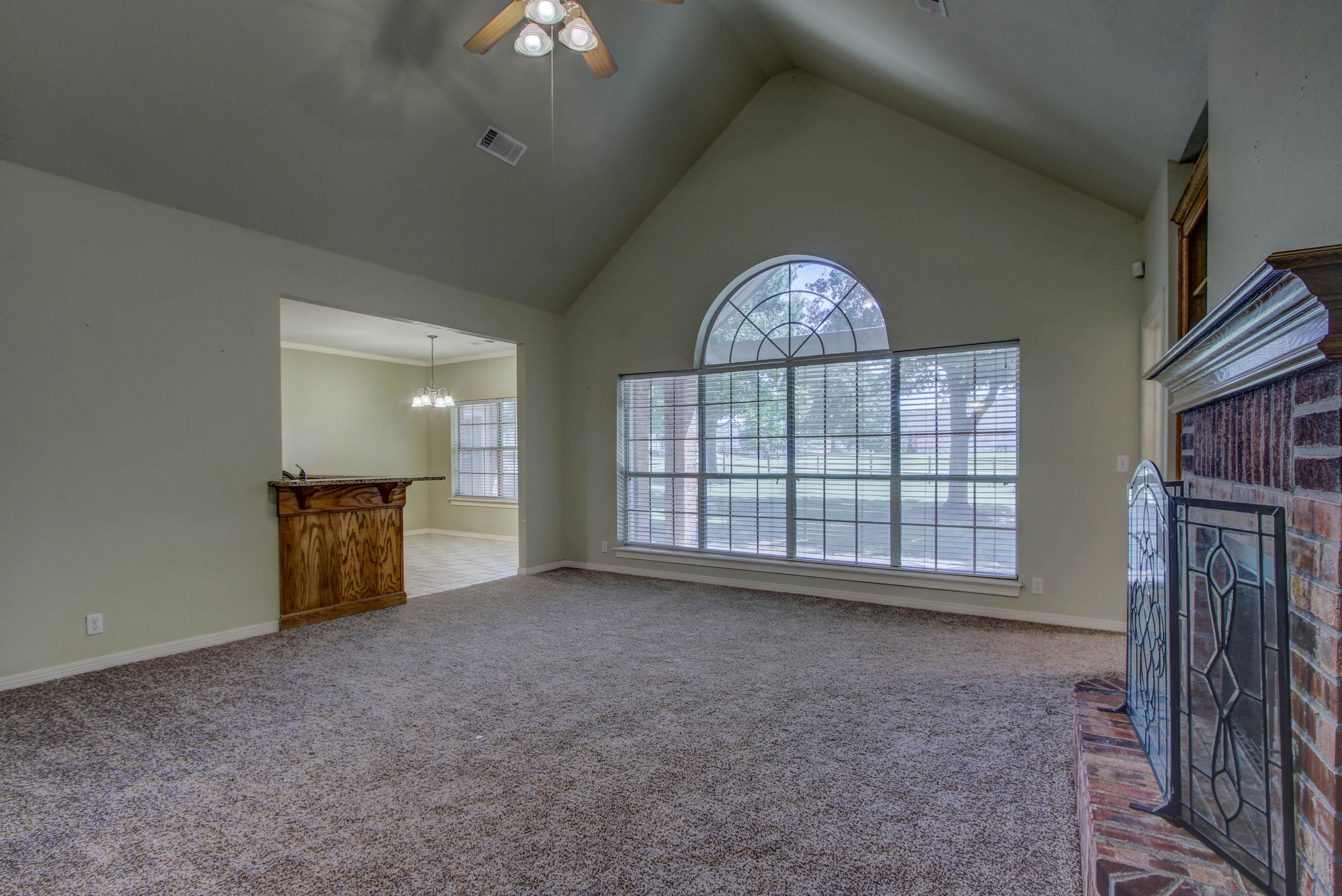 9123 N 102nd East Avenue Property Photo 6