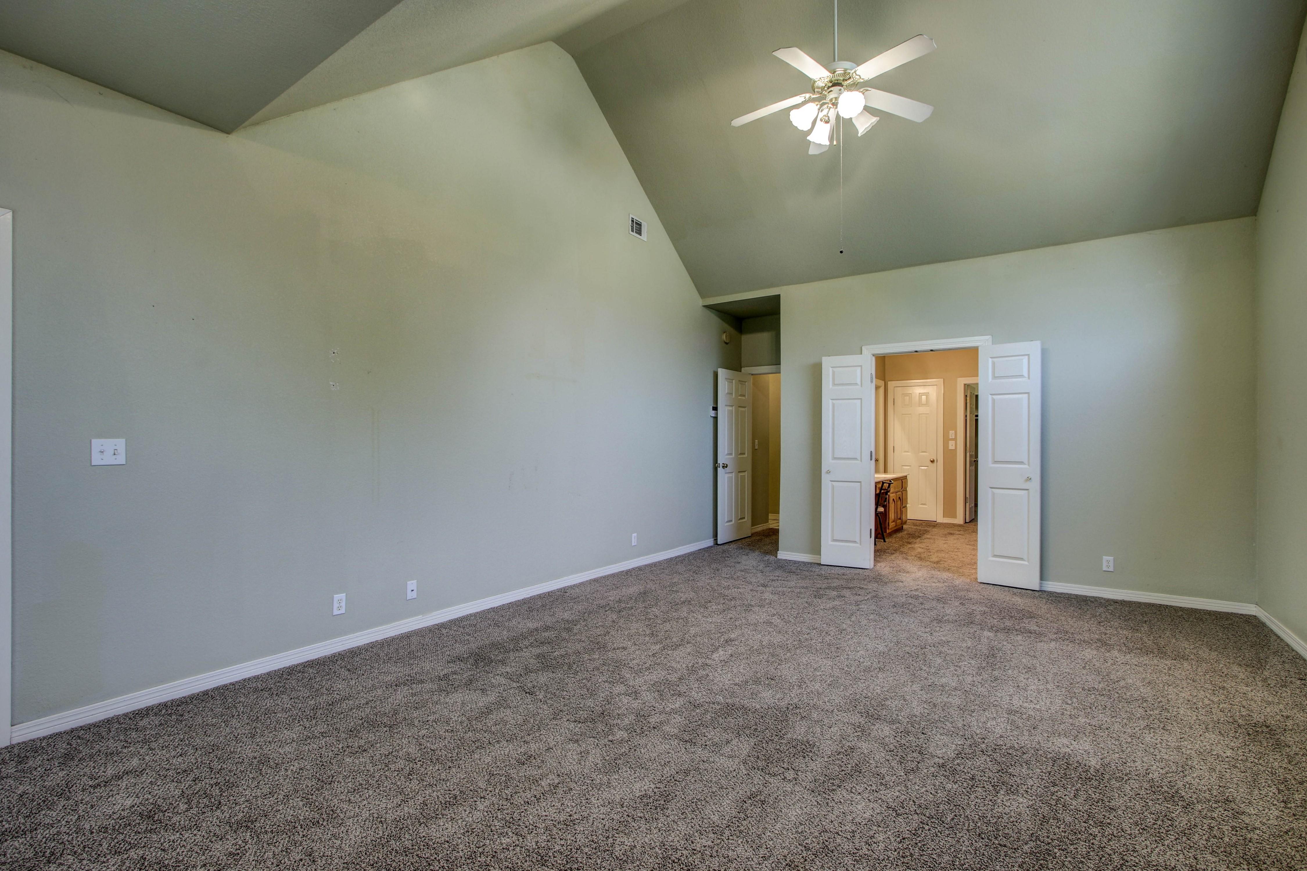 9123 N 102nd East Avenue Property Photo 14