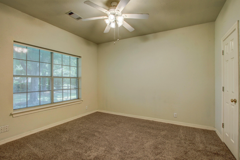 9123 N 102nd East Avenue Property Photo 16