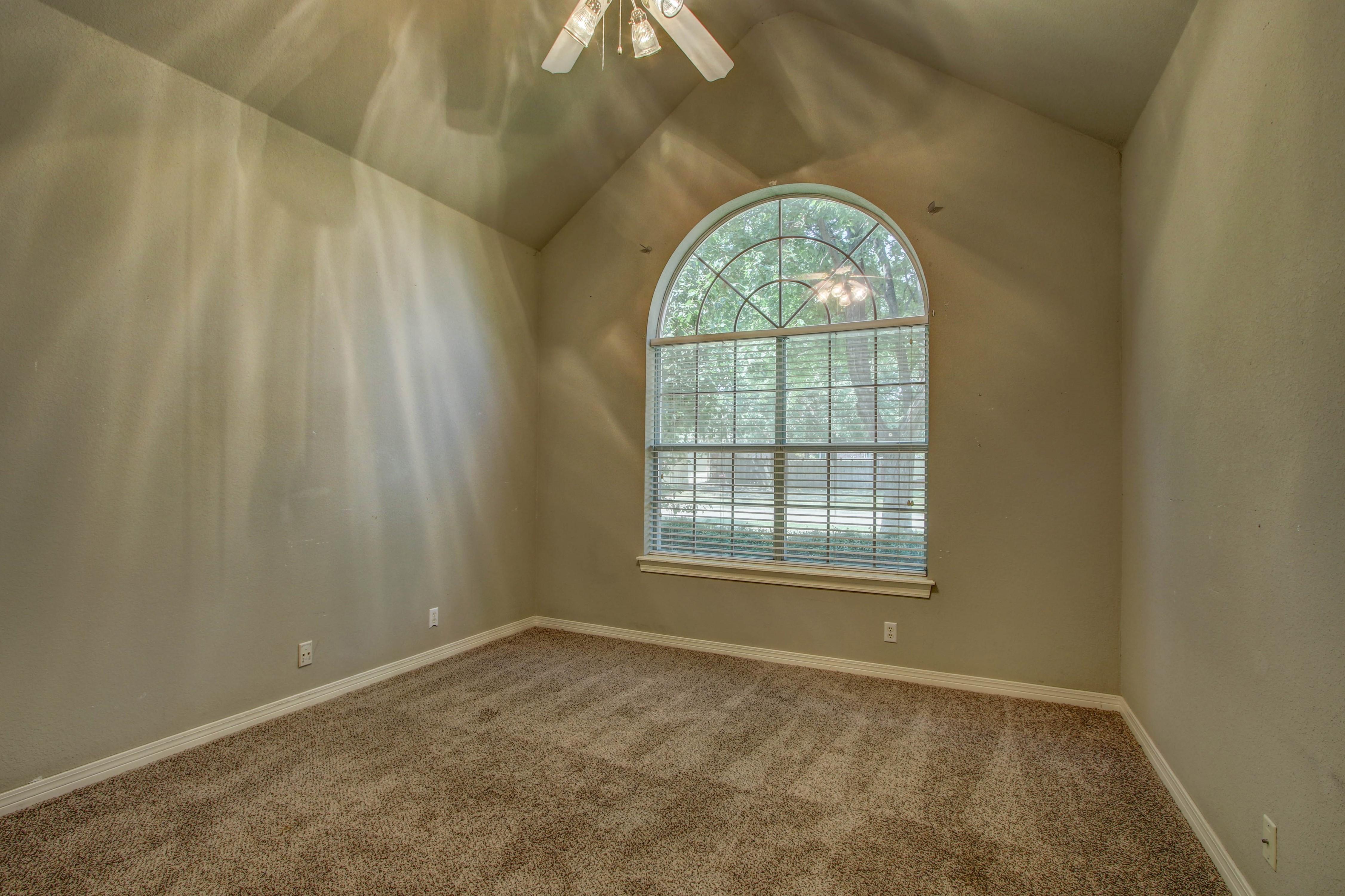 9123 N 102nd East Avenue Property Photo 18