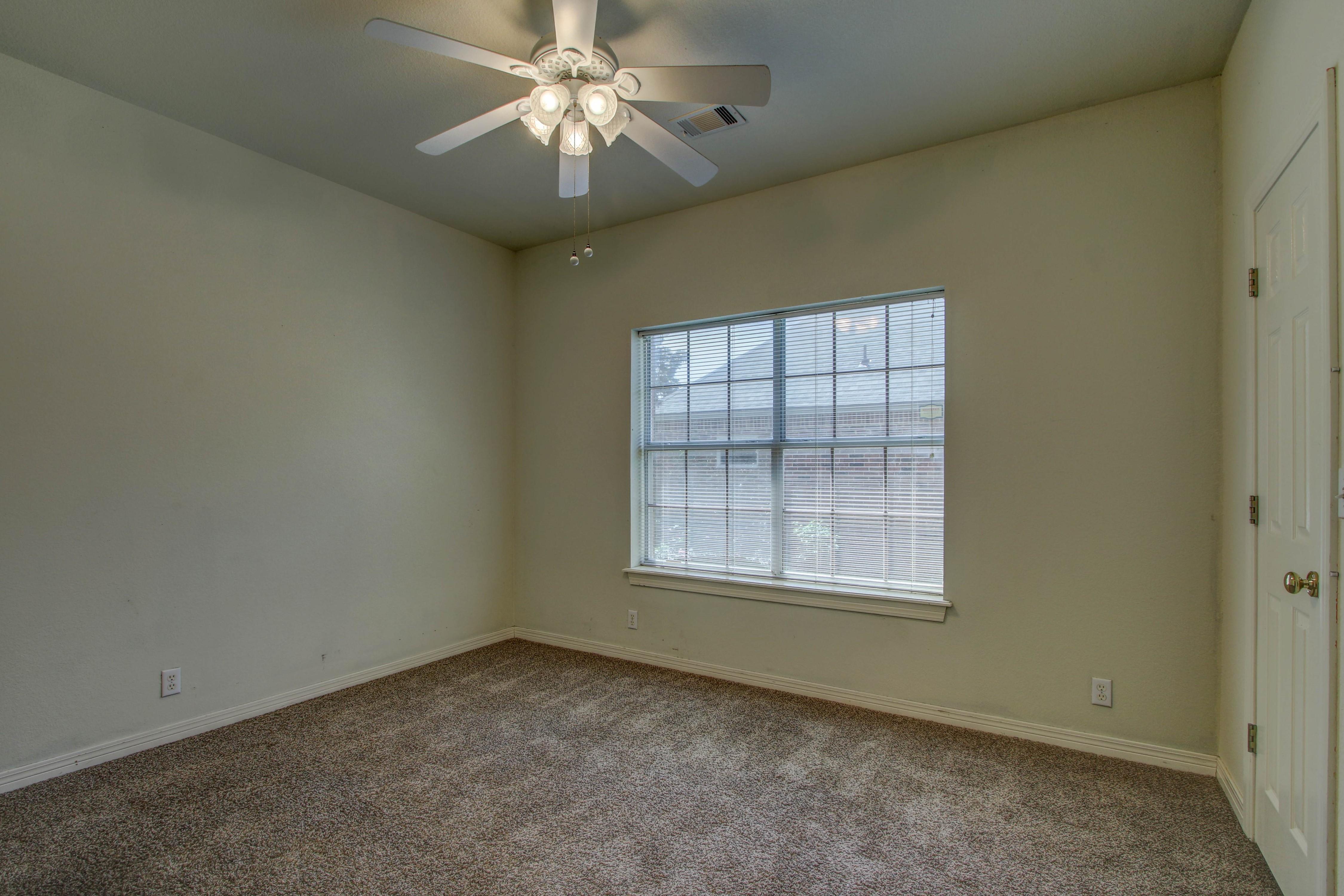 9123 N 102nd East Avenue Property Photo 19