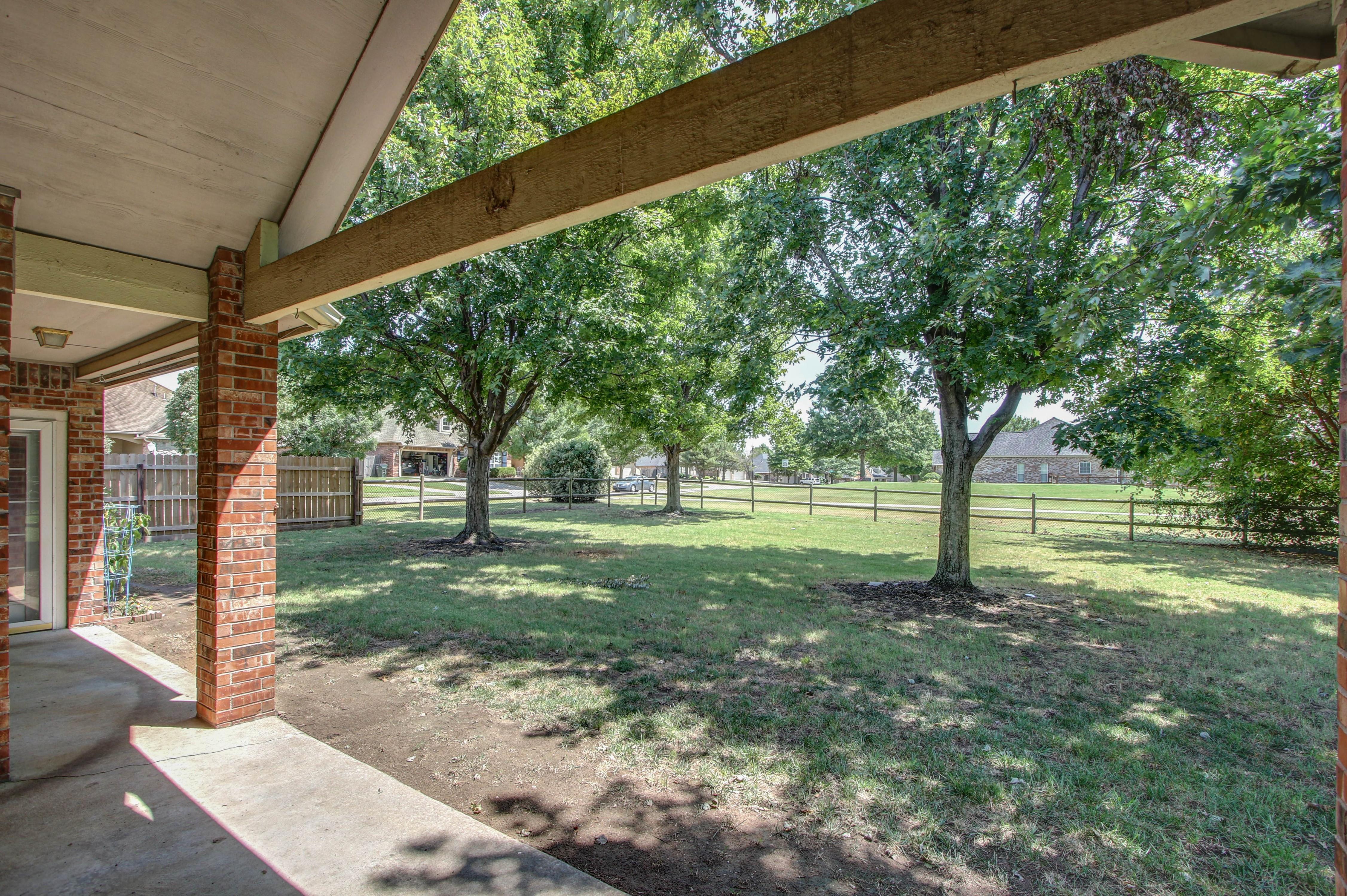 9123 N 102nd East Avenue Property Photo 21