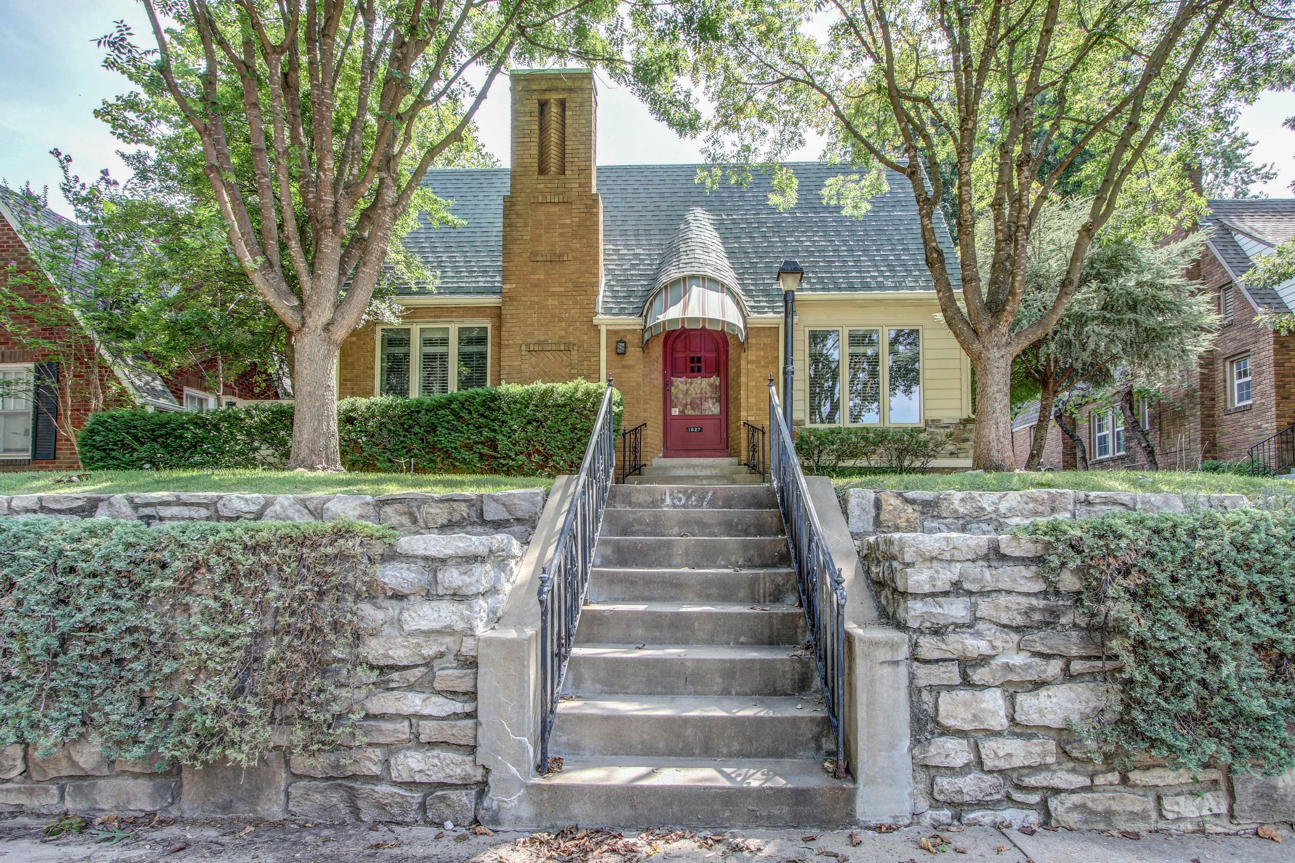 1527 S Atlanta Avenue Property Photo 1