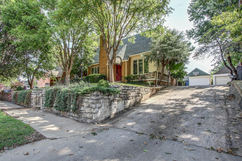 1527 S Atlanta Avenue Property Photo 3