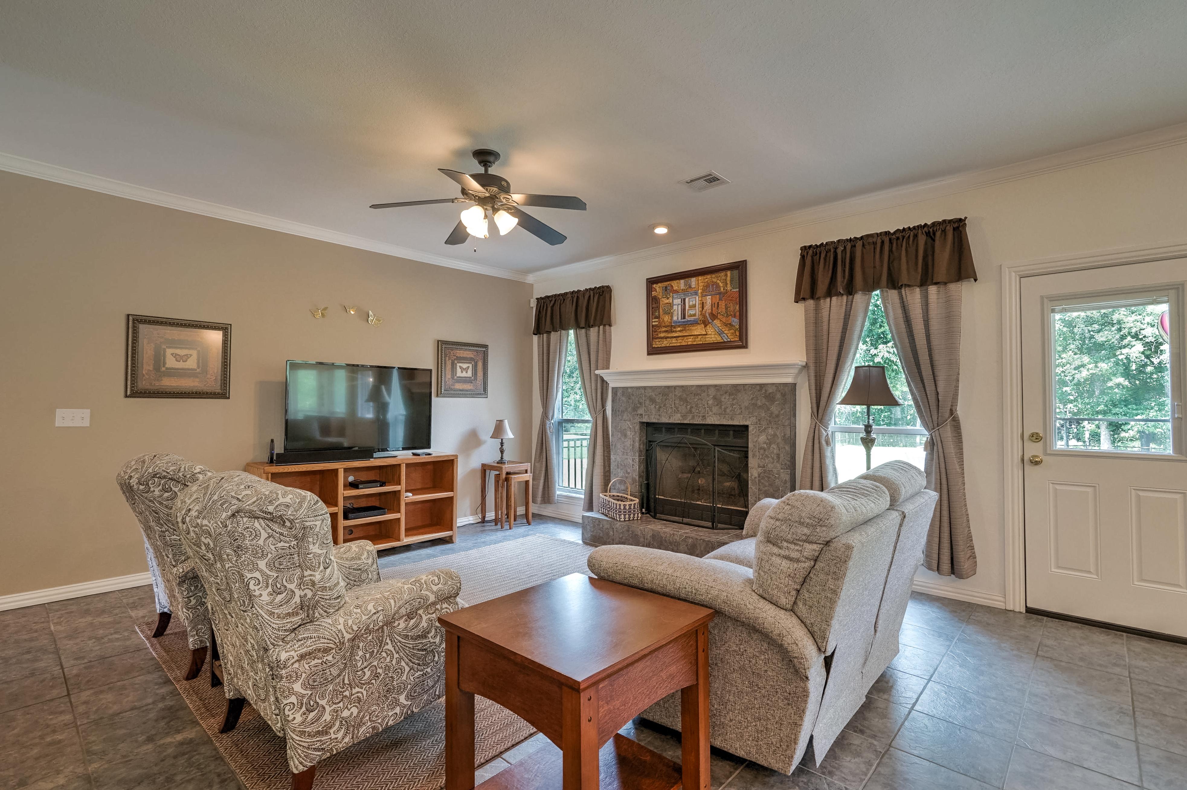 6820 S 302nd East Avenue Property Photo 11