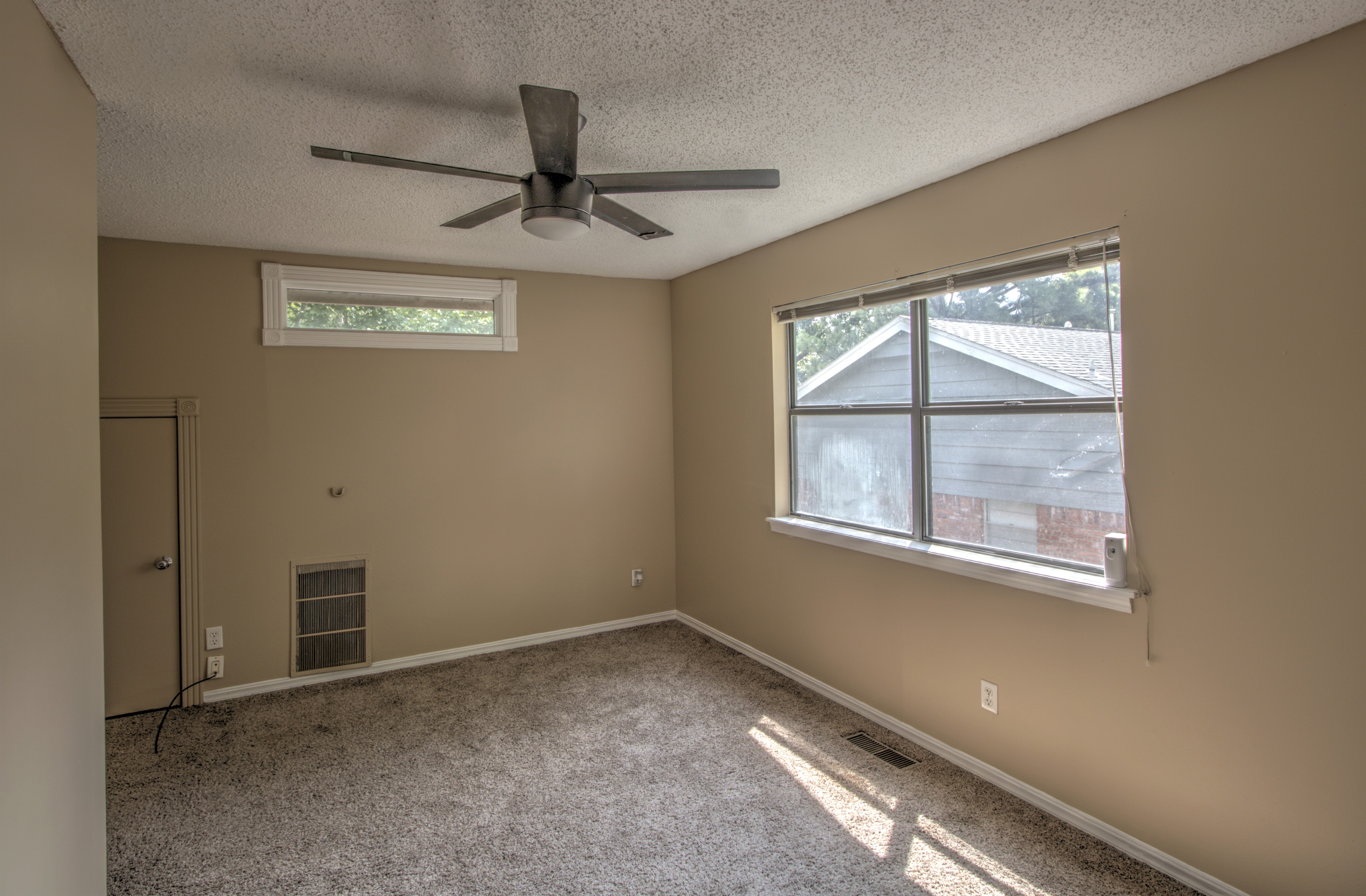 8232 S College Place Property Photo 24